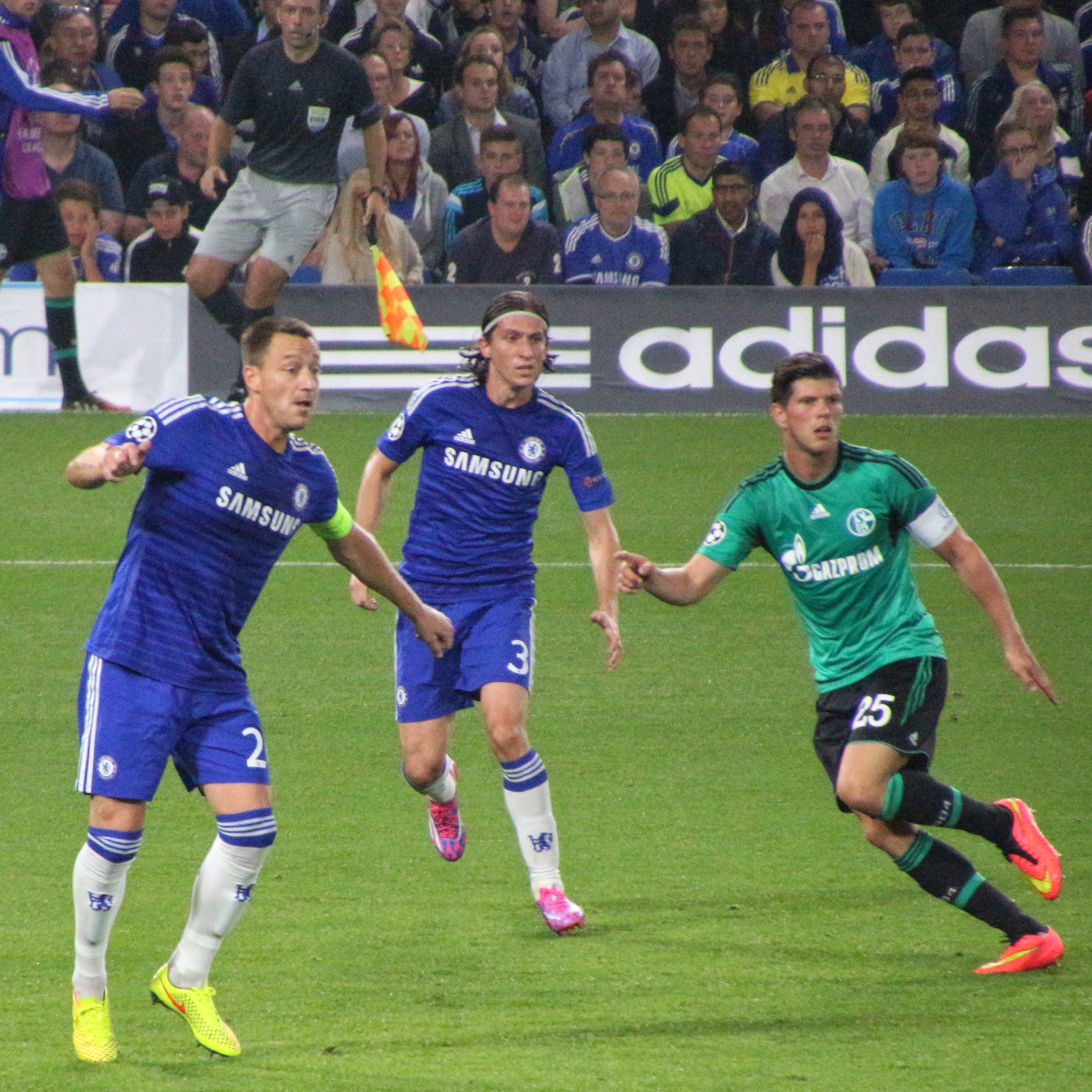 Chelsea 1 Schalke 1 (15272407685).jpg