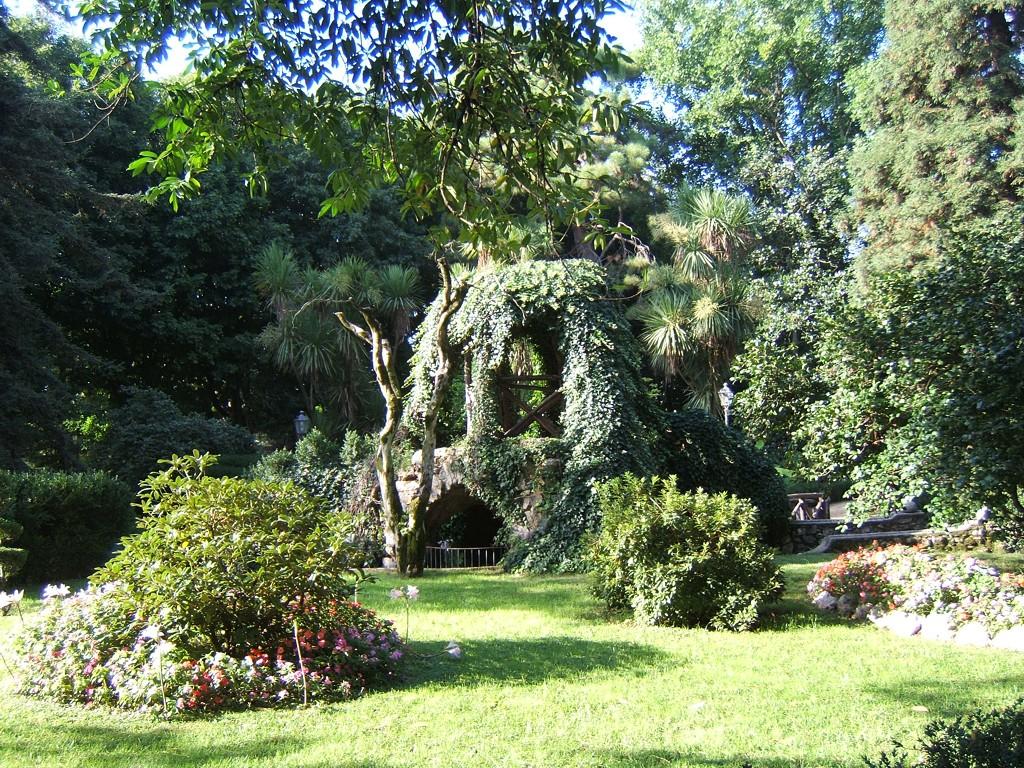 Villa Comunale E Parco Urbano Del Gari