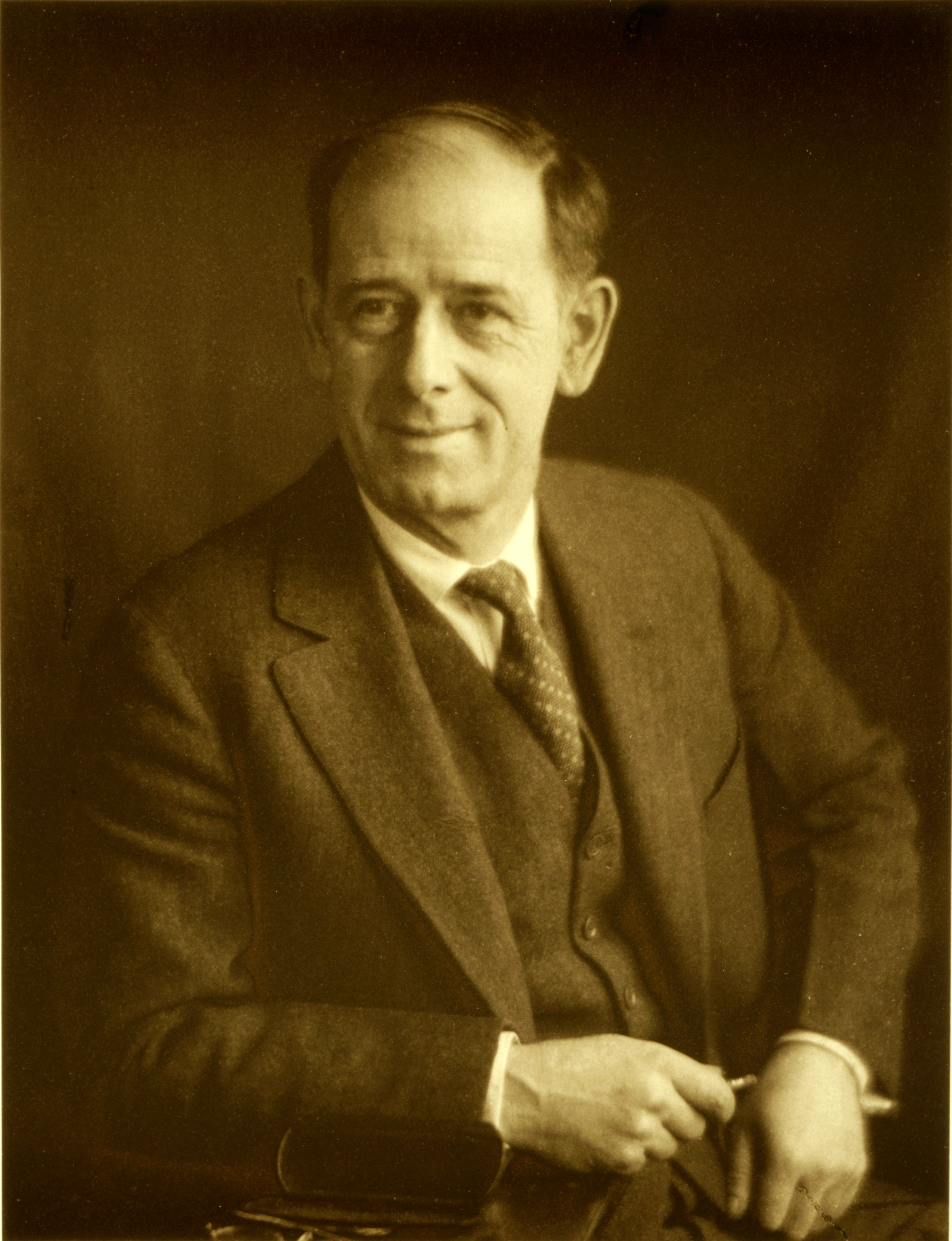 Image of Clarence Hudson White from Wikidata