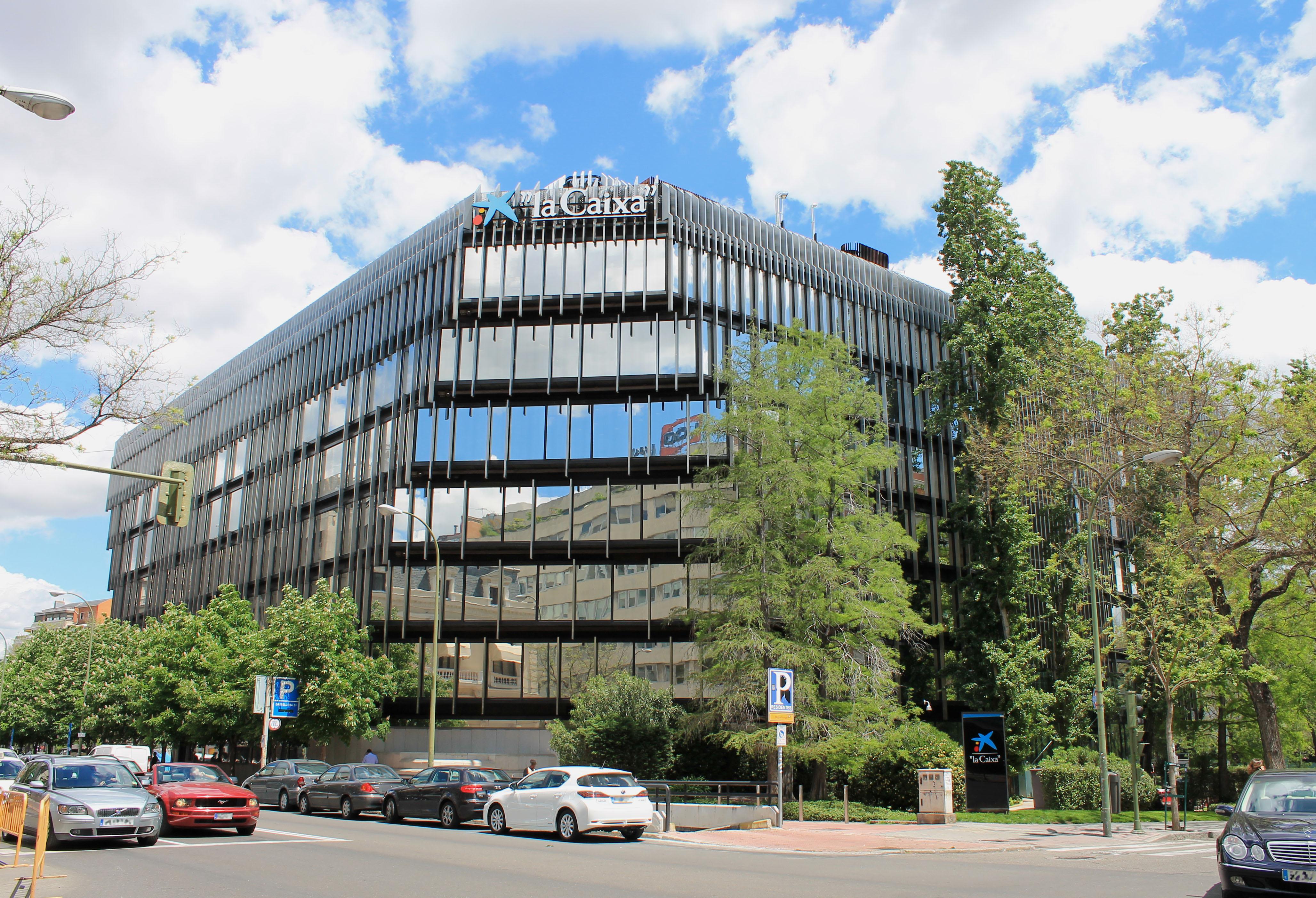 Archivo edificio la caixa c miguel ngel madrid for Buscador oficinas la caixa