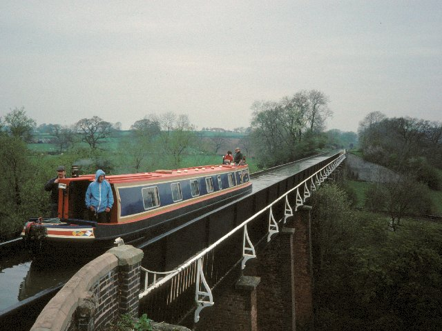 Edstone Aqueduct - geograph.org.uk - 3786