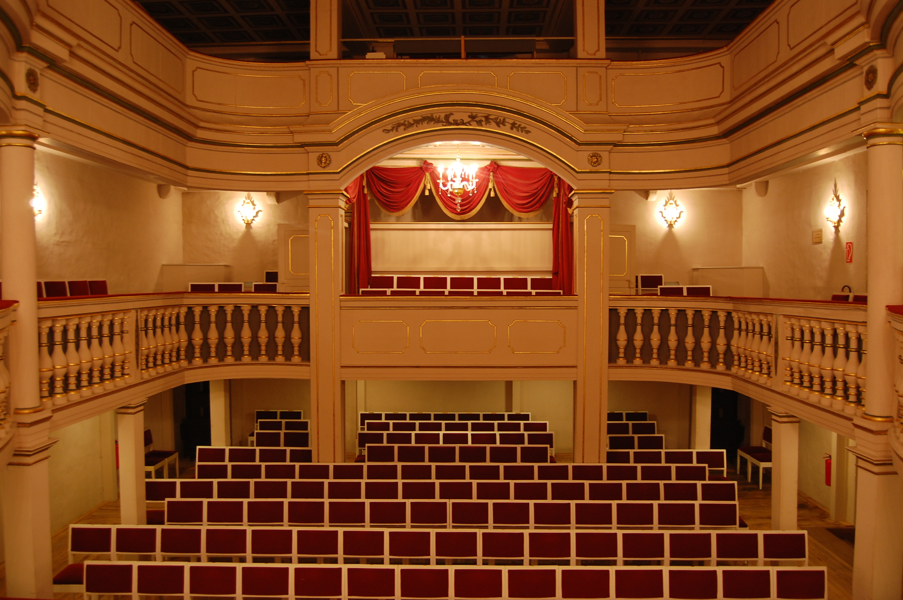 File:Ekhof-Theater Zuschauerraum.JPG - Wikimedia Commons