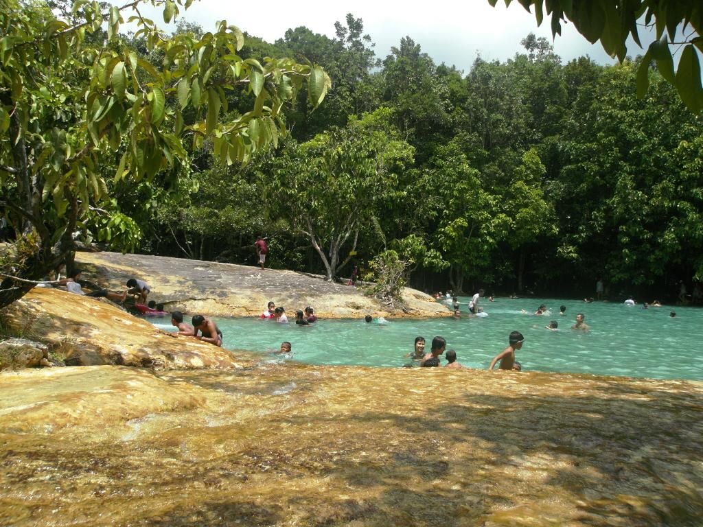 File:Emerald Pool at Khao Phra Bang Khram Nature Reserve, near Krabi (Thailand) - panoramio.jpg - Wikimedia Commons