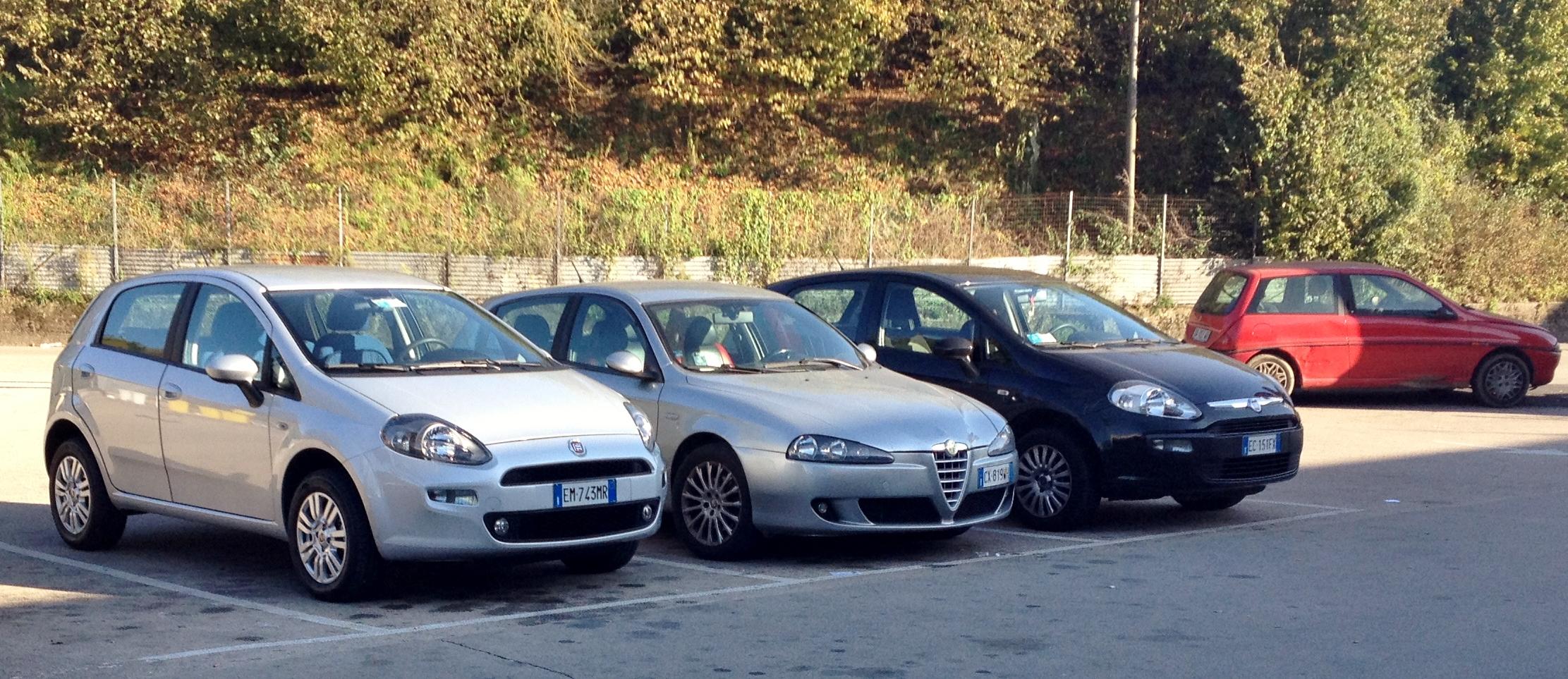 Alfa Romeo Wiki >> File:Fiat Punto 2012, Alfa Romeo 147, Fiat Punto Evo, Lancia Y.JPG - Wikimedia Commons