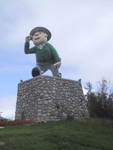 File:Flinty Statue 2.jpg