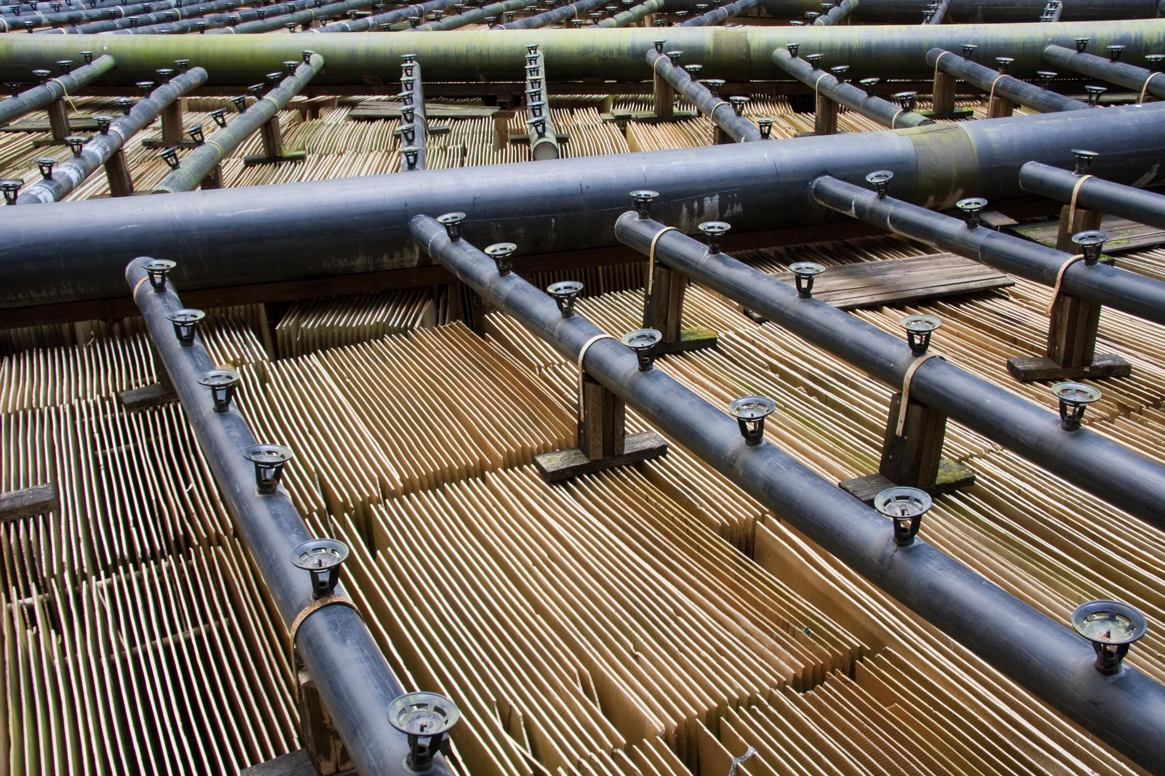 File:Floor of cooling tower Iru Power Plant 2.jpg Wikimedia  #664626