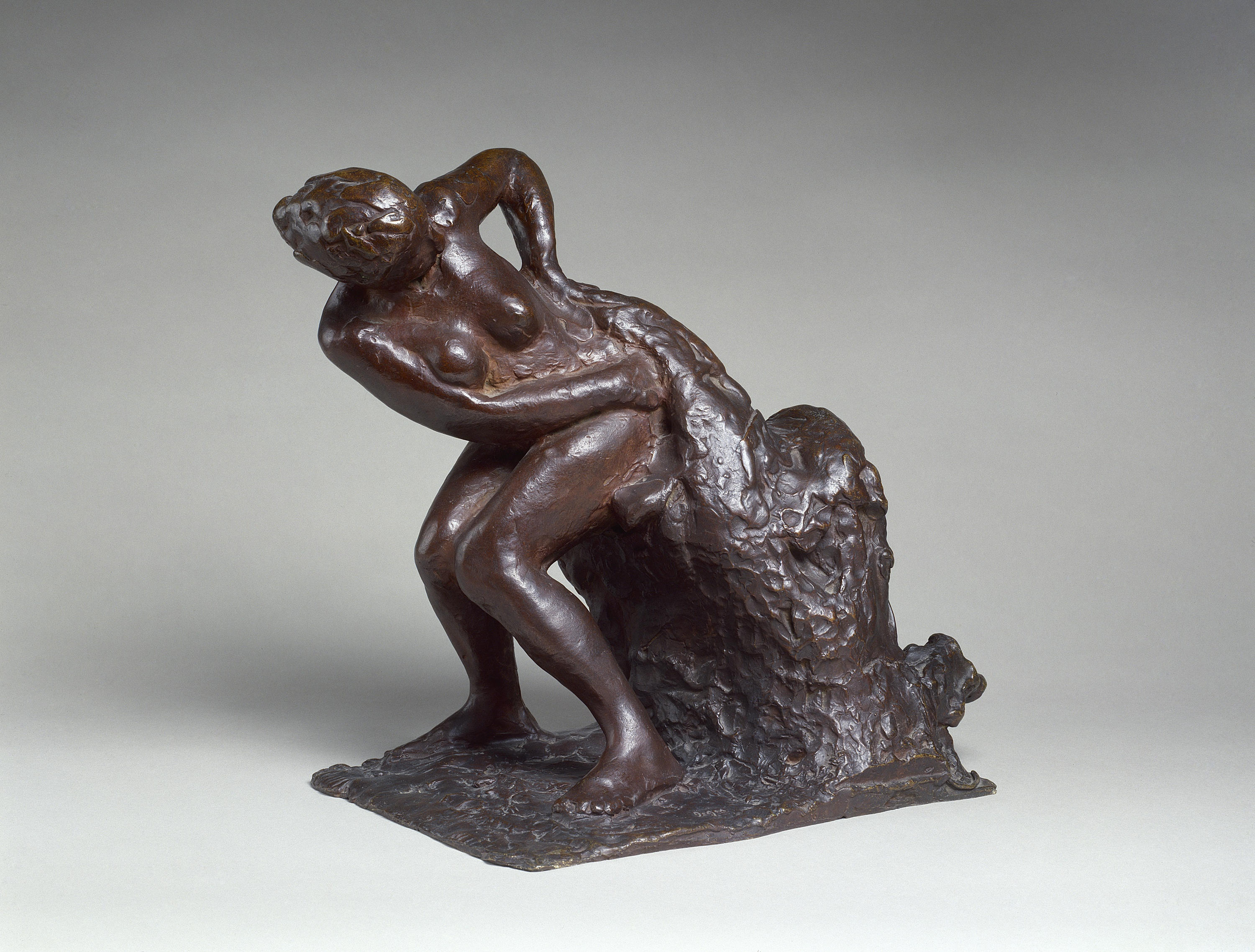File Gugg Seated Woman Wiping Her Left Side Jpg