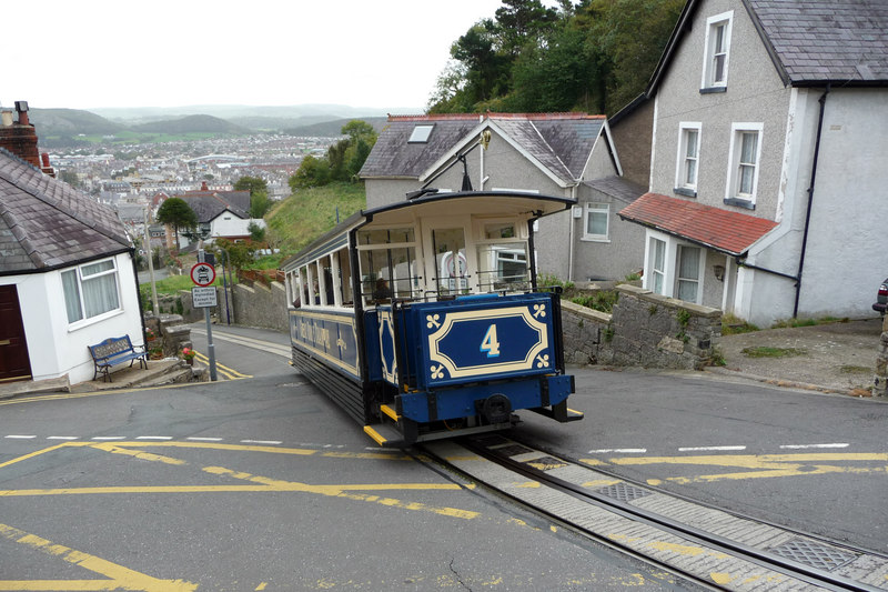 Great_Orme_Tramway_-_Car_number_4_at_Bla
