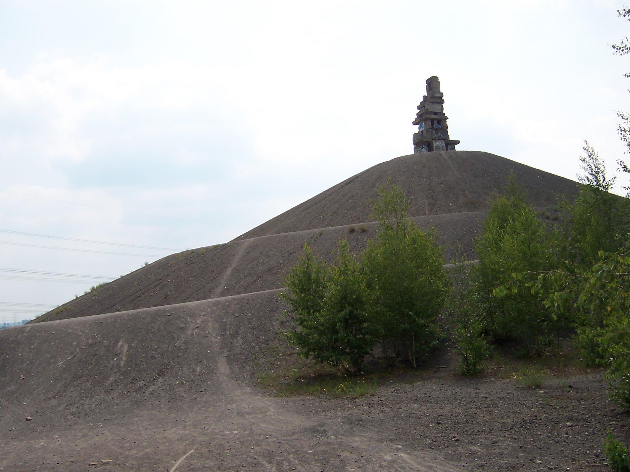 HaldeRheinelbe2010.JPG