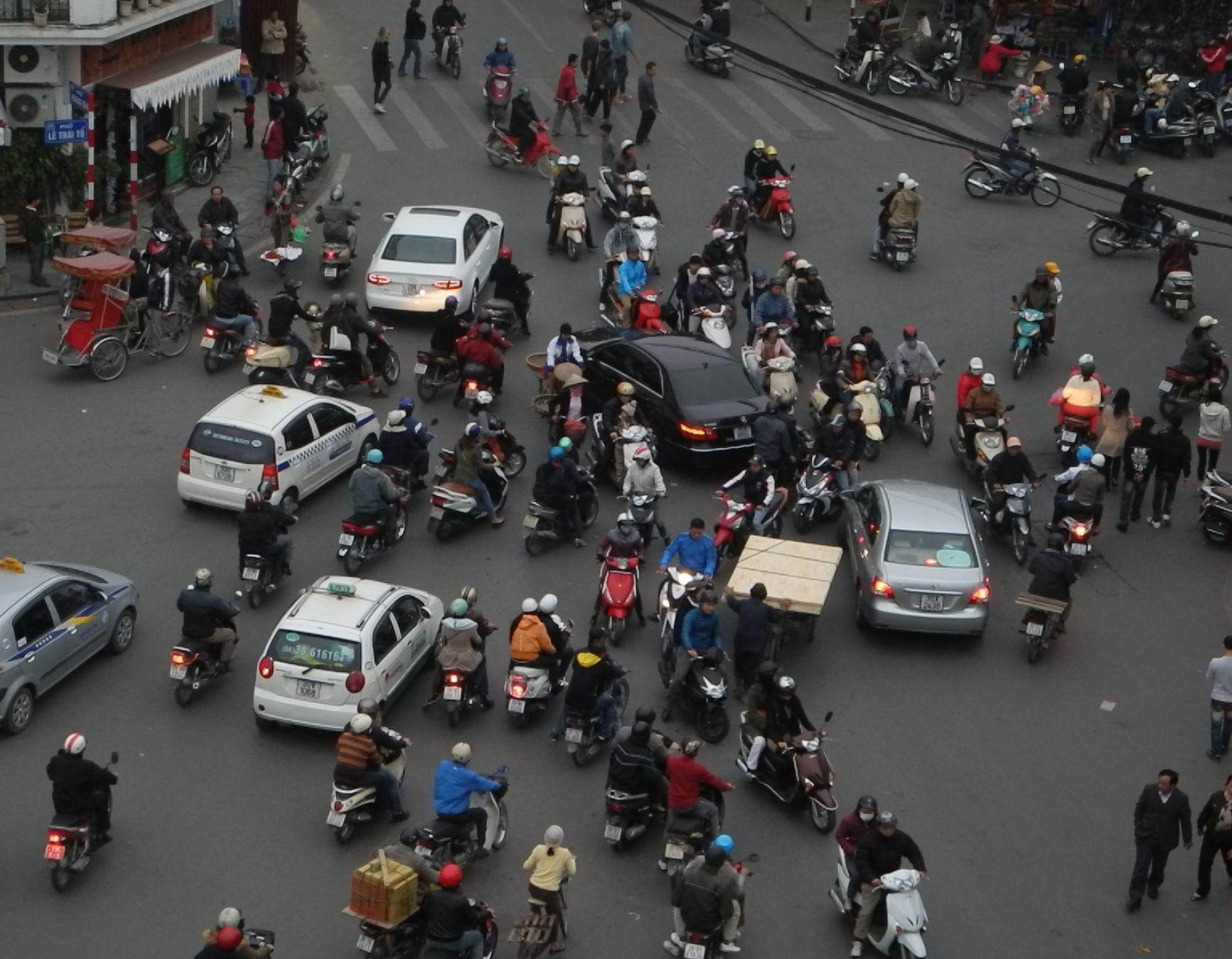 working hours in vietnam