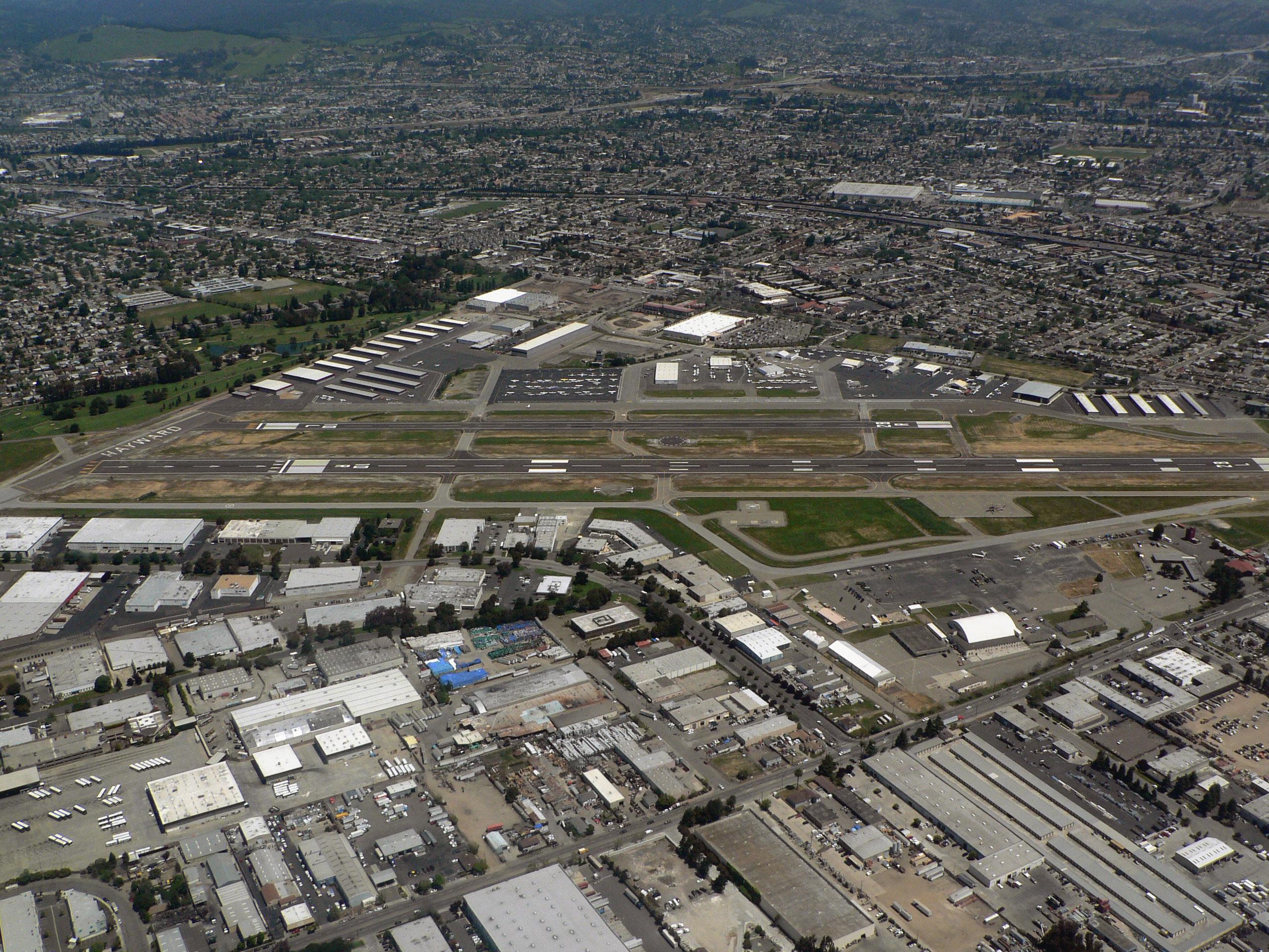 File Hayward Executive Airport 07821 Jpg