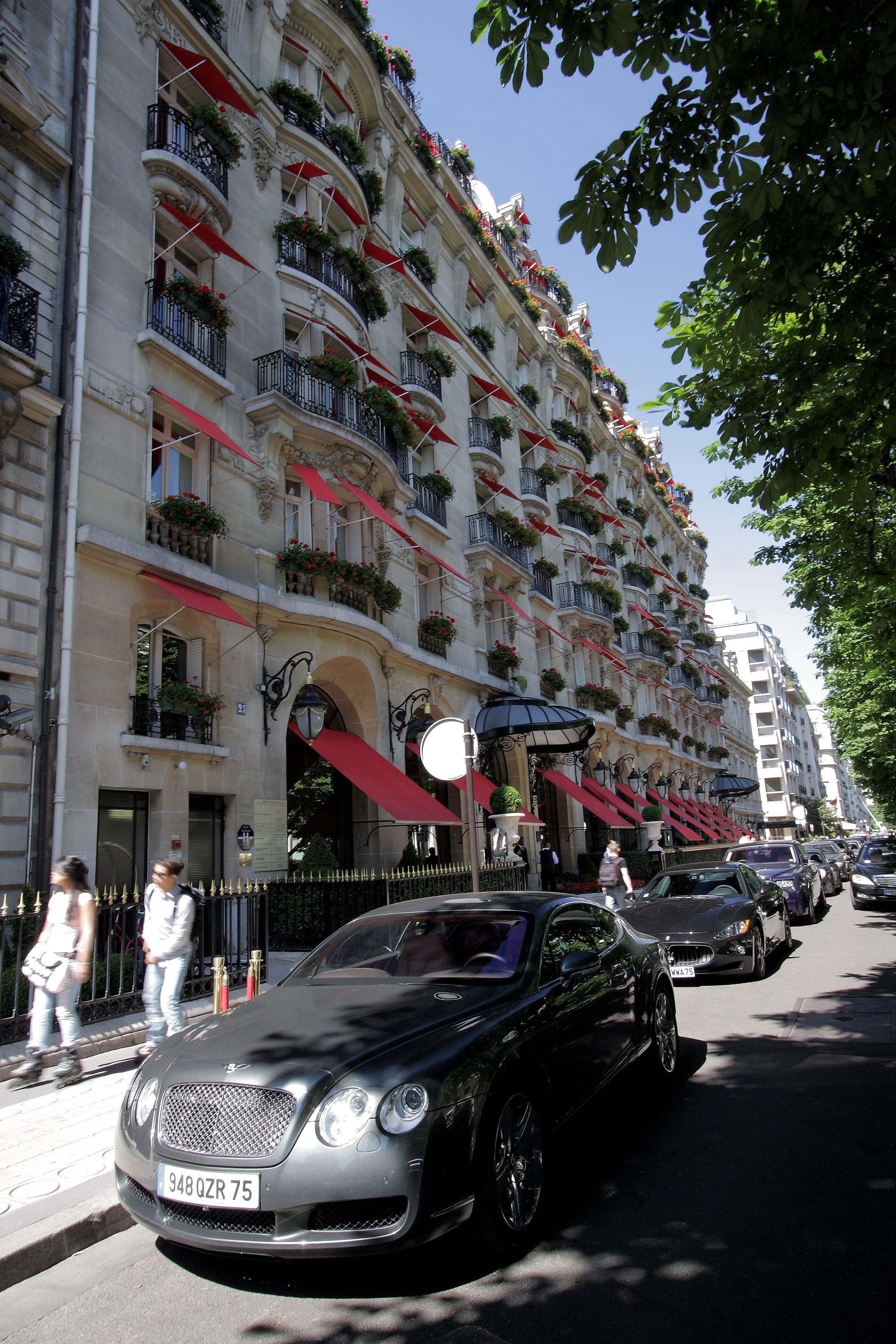 Hotel Plaza Athenee Paris France Royal Suite