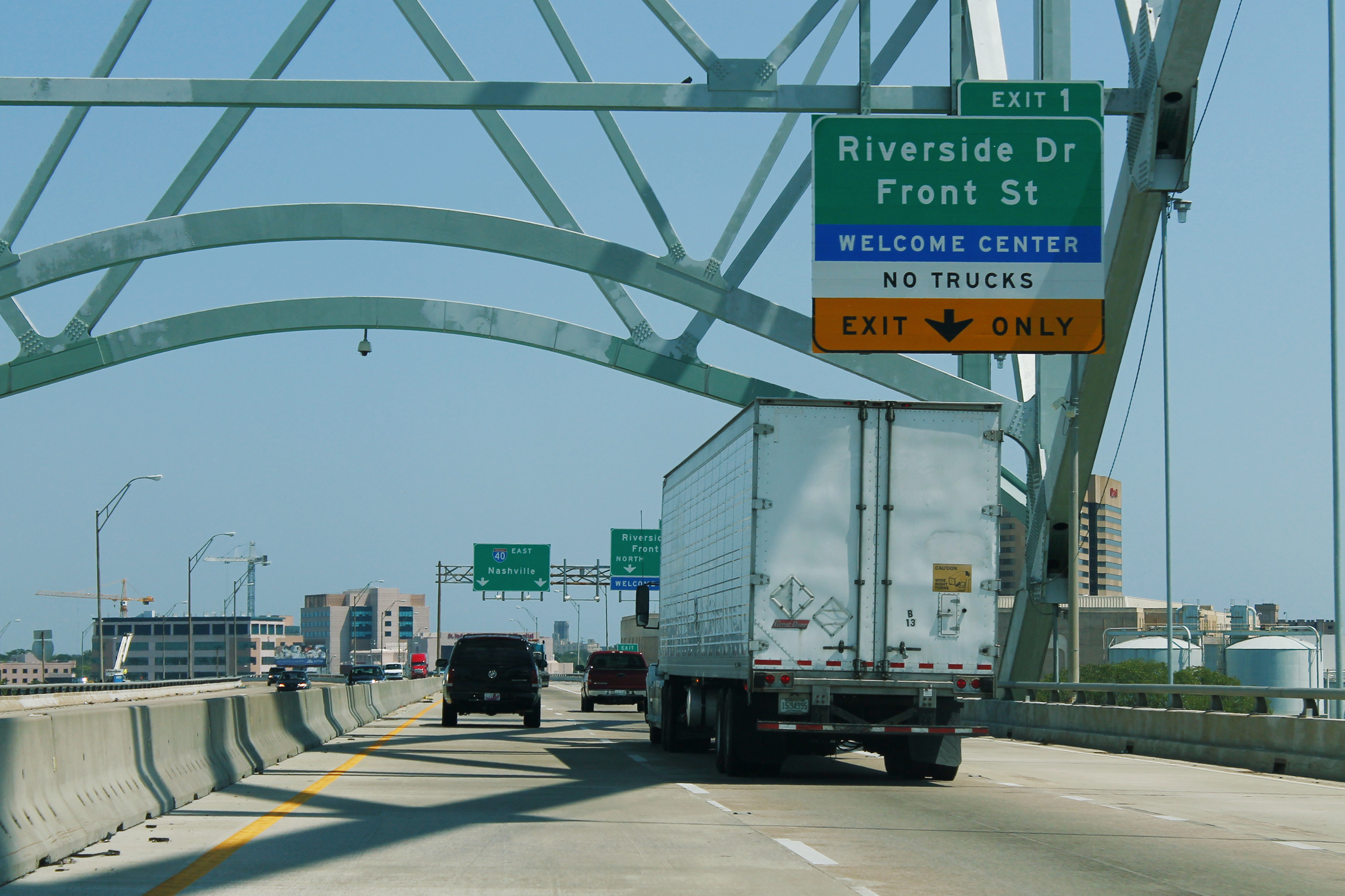 File:I-40 East Exit 1 - Riverside Drive - Memphis