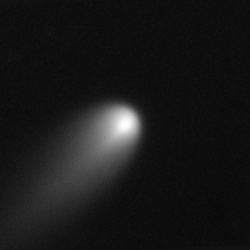 ISON_Comet_captured_by_HST%2C_April_10-1