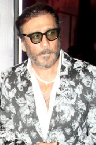 Jackie Shroff at the GQ Best Dressed Awards 2017 (10).jpg