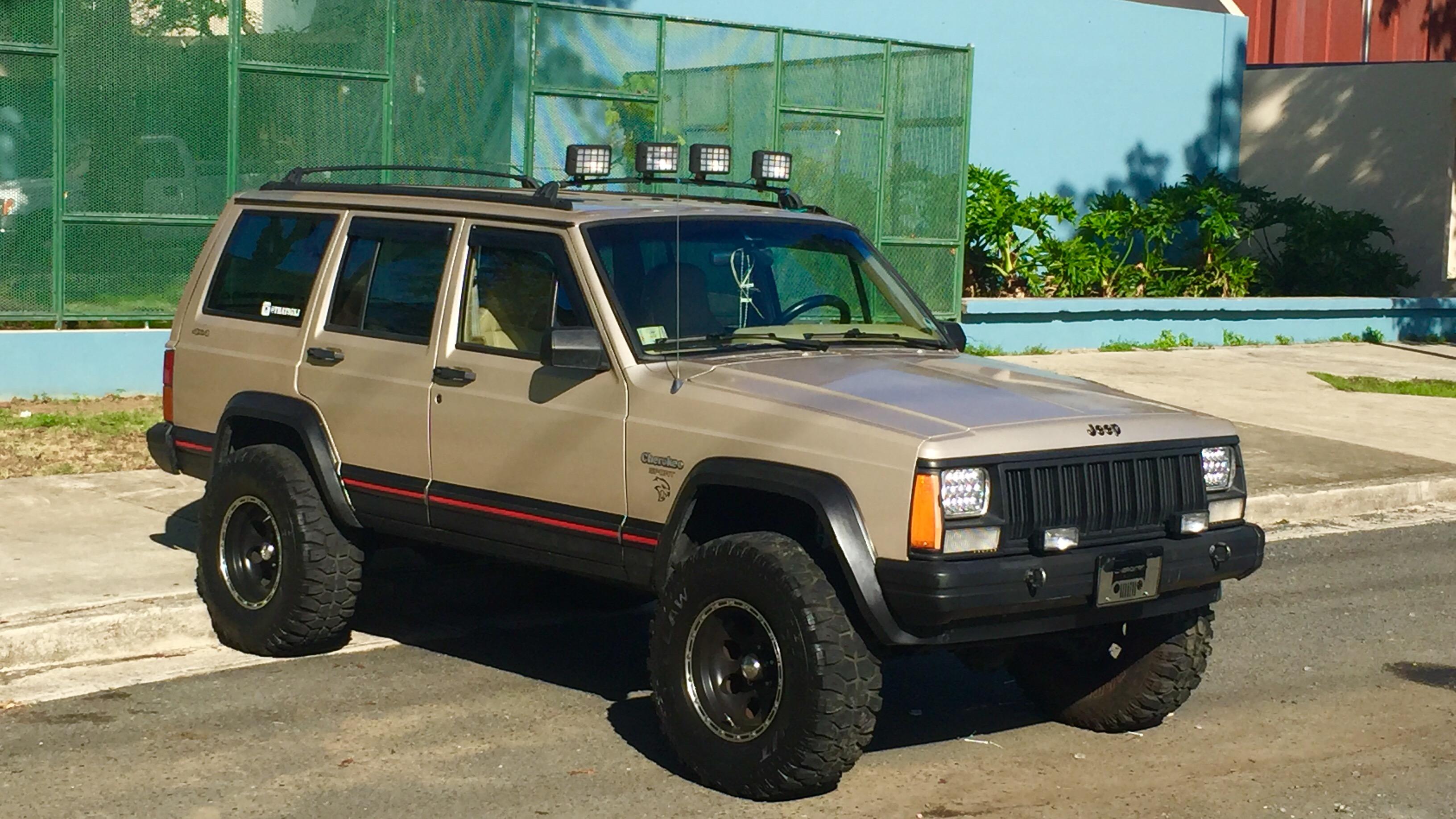 File Jeep Cherokee Xj 4x4 Puerto Rico Jpg Wikimedia Commons