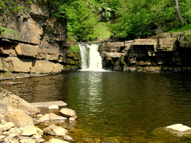 Kisdon Force on River Swale - geograph.org.uk - 613040