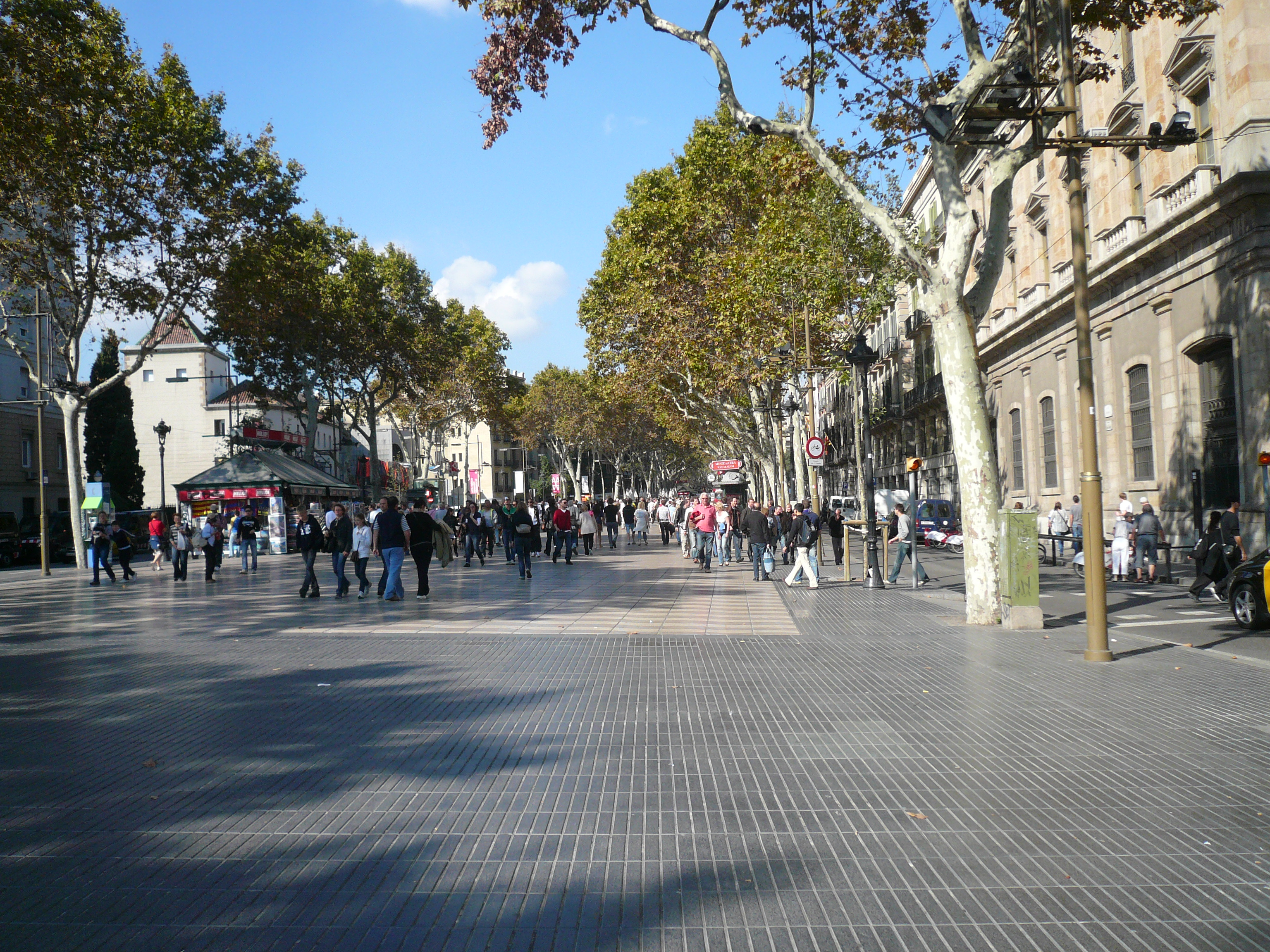 Barcelona La Rambla Internet Cafe