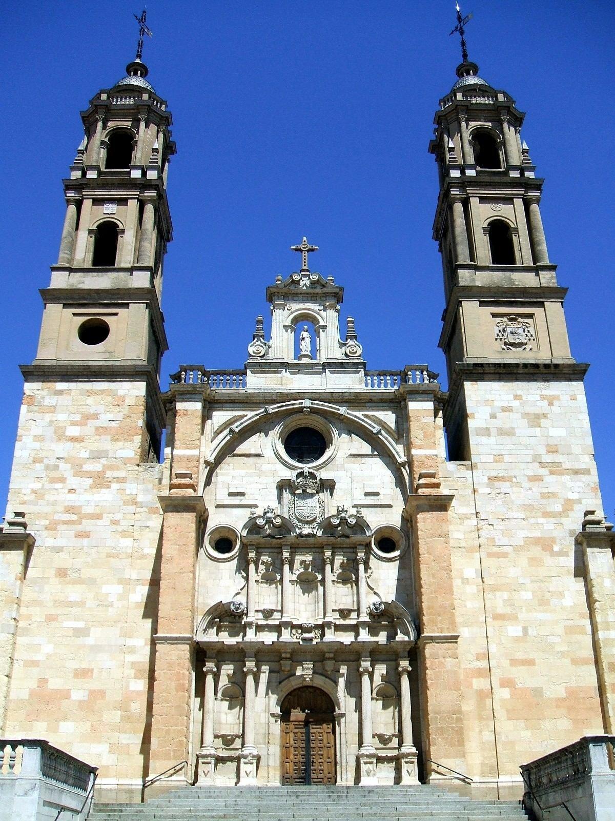 Images On Pinterest: Iglesia De San Juan Y San Pedro De Renueva