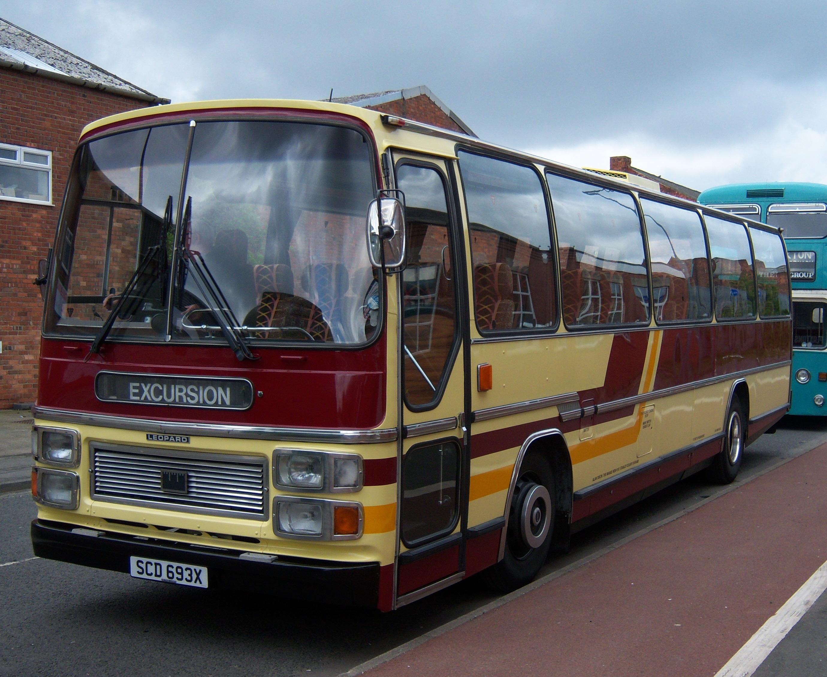 File:Leyland Leopard Plaxton Supreme V (SCD 693X), 2012 ...
