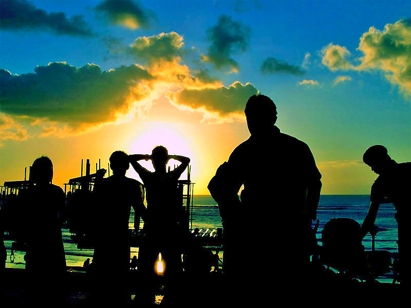 File:Listening To The Sound of Peace Under The Sunset.jpg ...