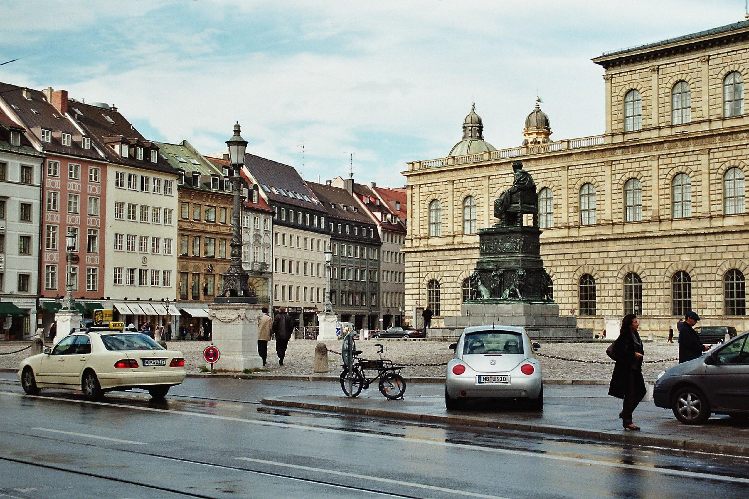 St Platz München file münchen der max joseph platz jpg wikimedia commons