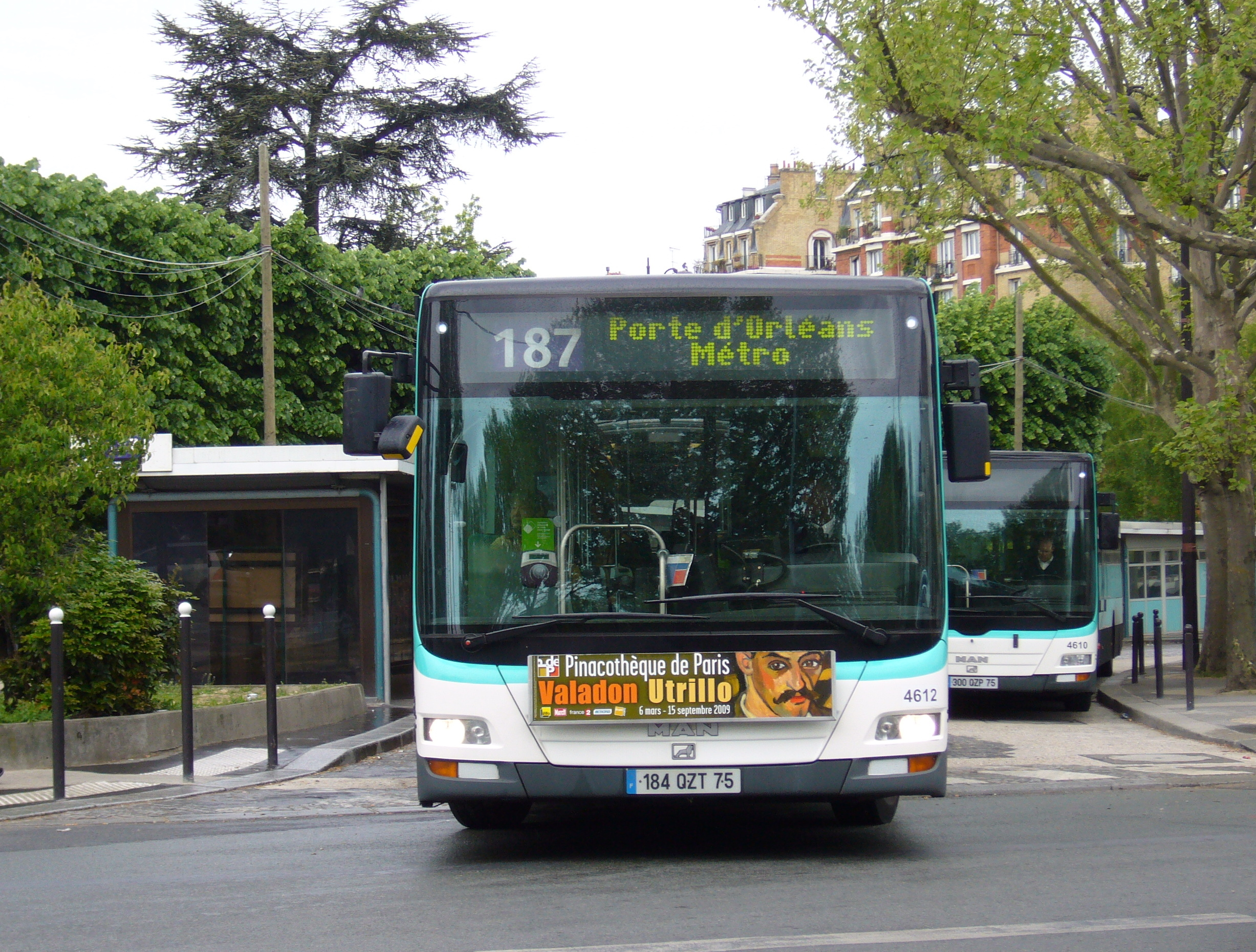 file man lion 39 s city g ratp 187 porte d 39 orleans wikimedia commons. Black Bedroom Furniture Sets. Home Design Ideas