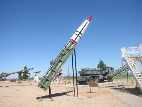 منظومة الMGM-140 الامركية MGM-140_ATACMS_WSMR