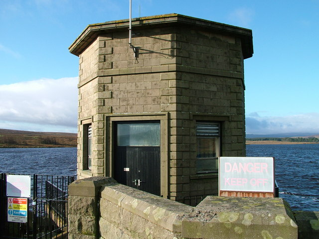 Machinery building-Selset Reservoir - geograph.org.uk - 672565