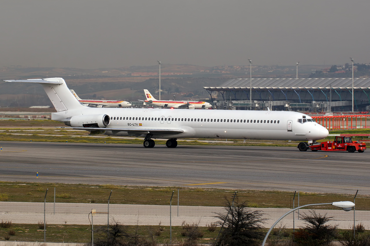 L'avion impliqué est un MD-83 appartenant à la flotte de la compagnie Swiftair (ici à l'aéroport de Madrid en 2013).