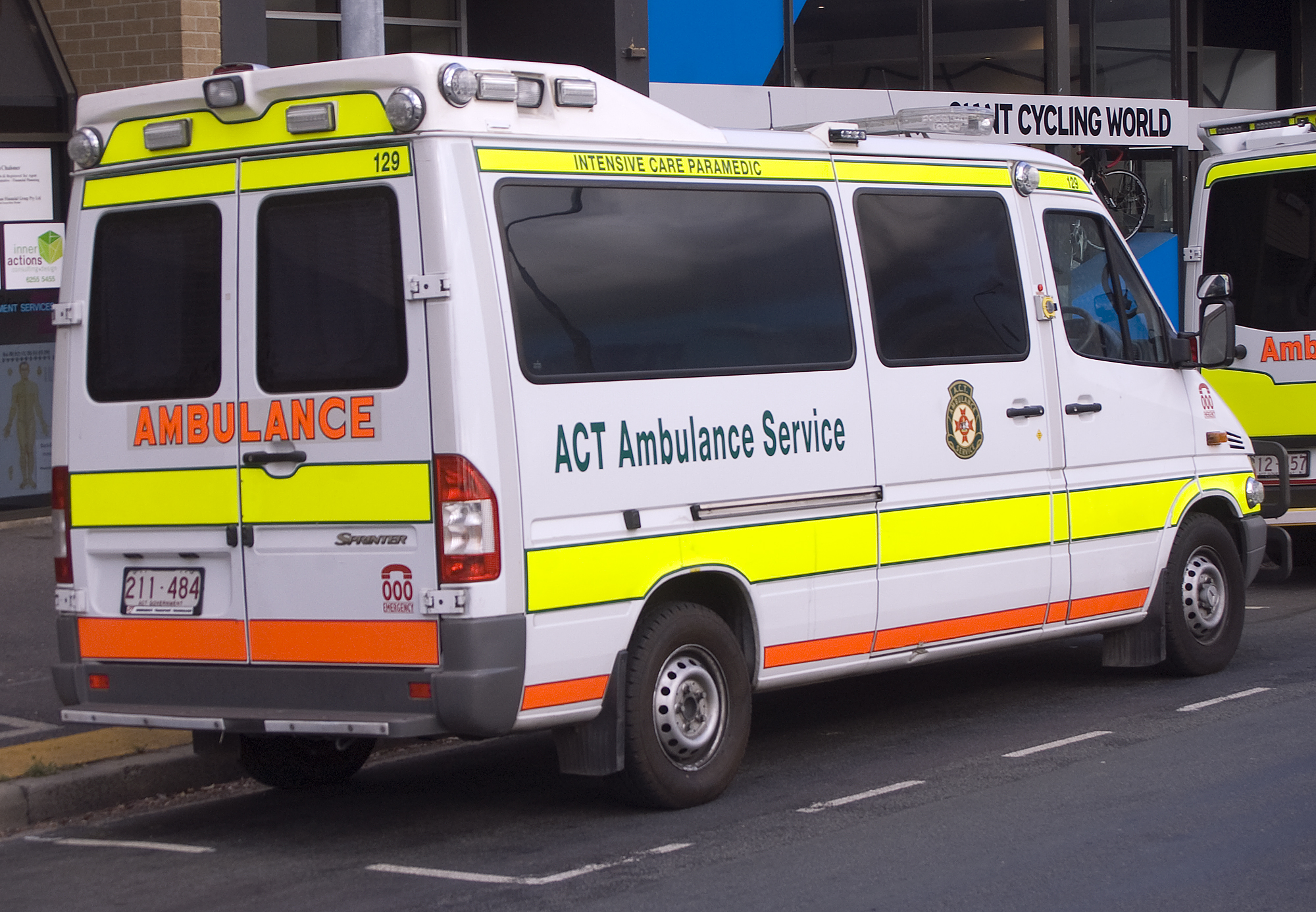 Mercedes sprinter ambulance dimensions for Mercedes benz emergency service