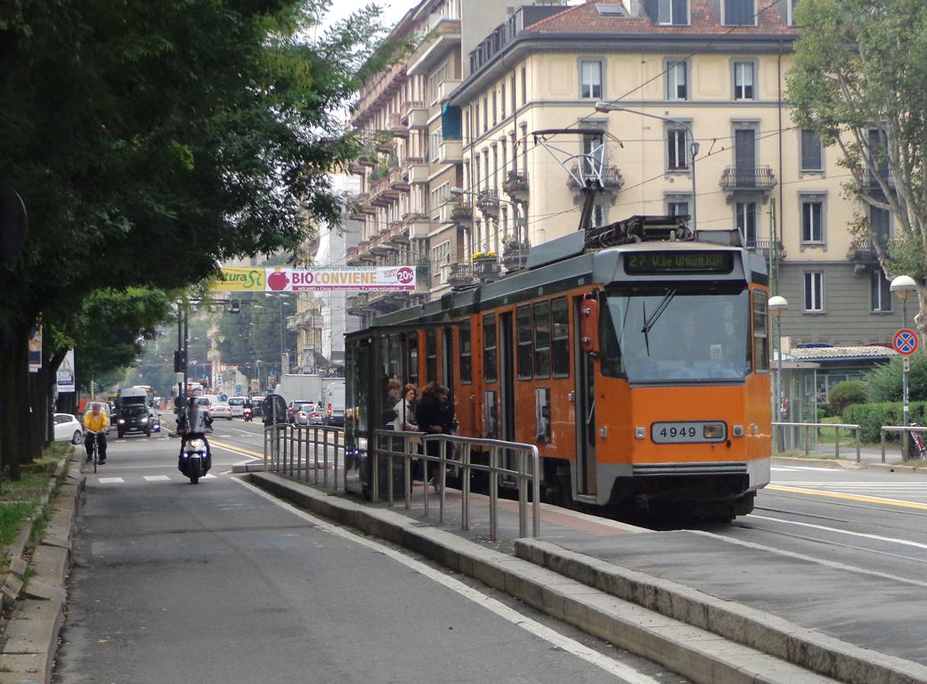 File milano corso xxii marzo tram 4949 jpg wikimedia commons for Corso stilista milano