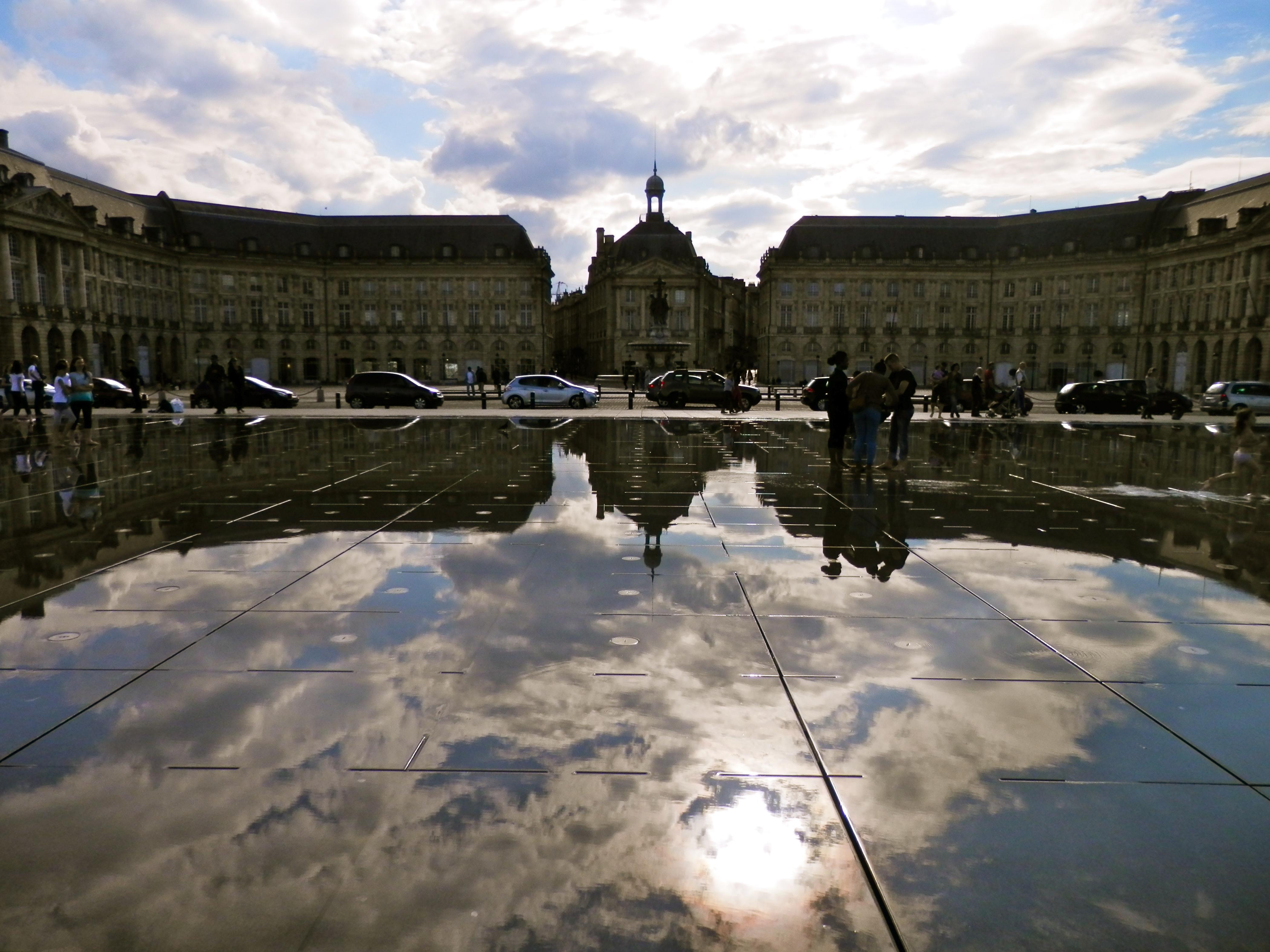 File miroir d 39 eau bordeaux jpg wikimedia commons for Miroir d eau bordeaux