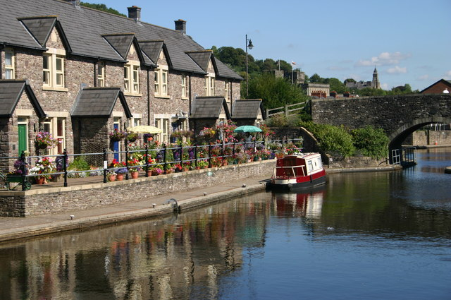Monmouthshire and Brecon canal basin - geograph.org.uk - 721395