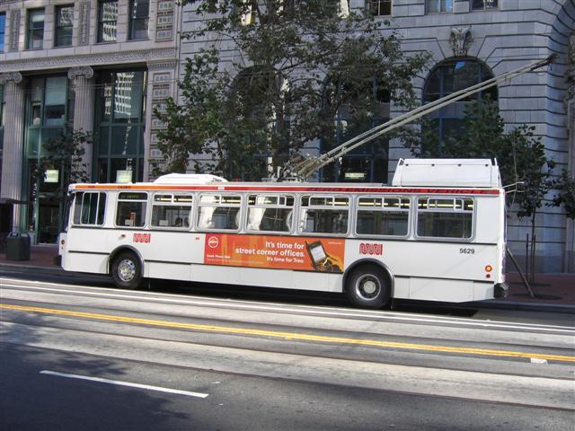 Muni-Trolley-bus-Market-street-San-Francisco.jpg
