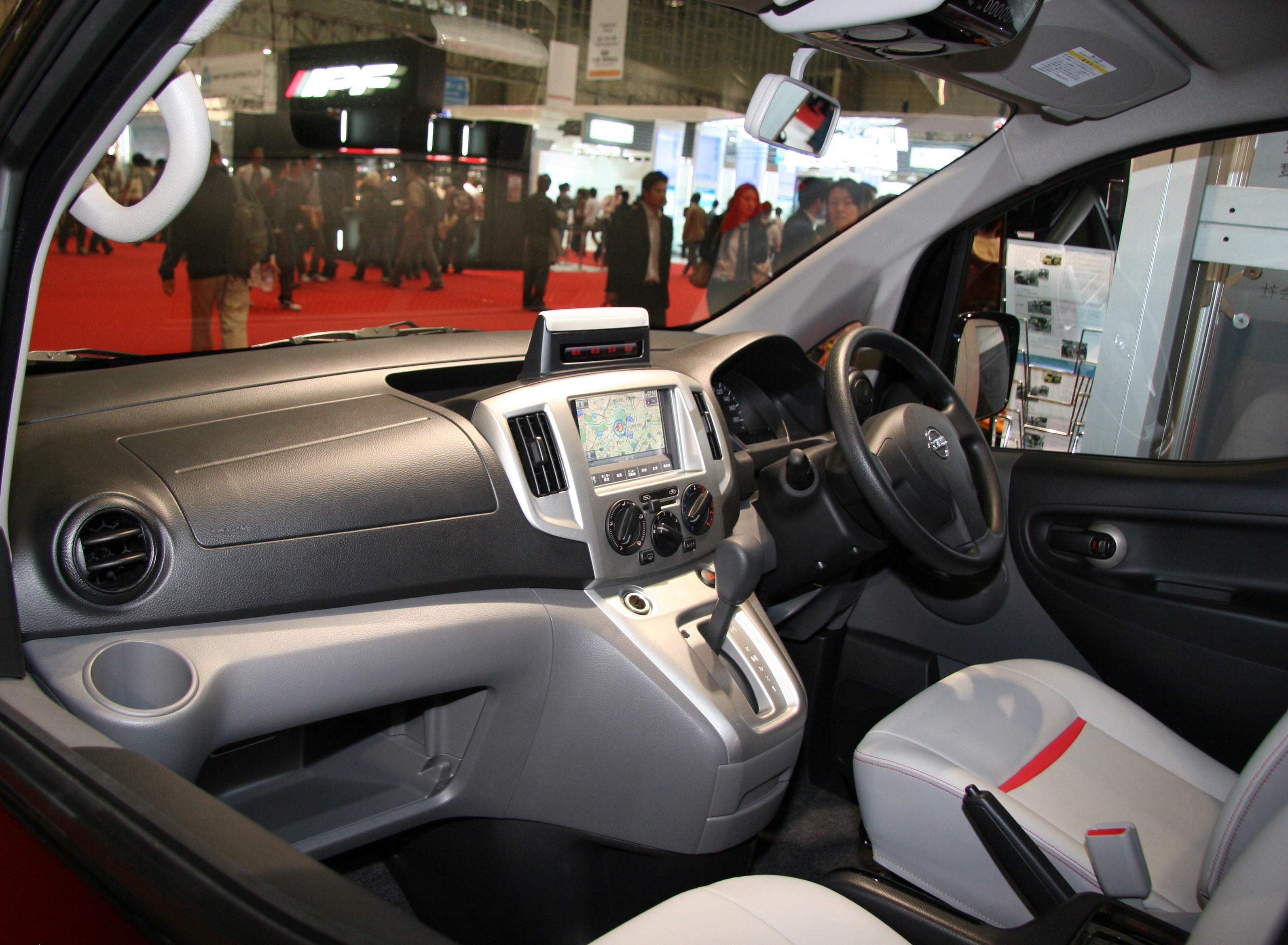 File nissan nv200 vanette taxi interior jpg
