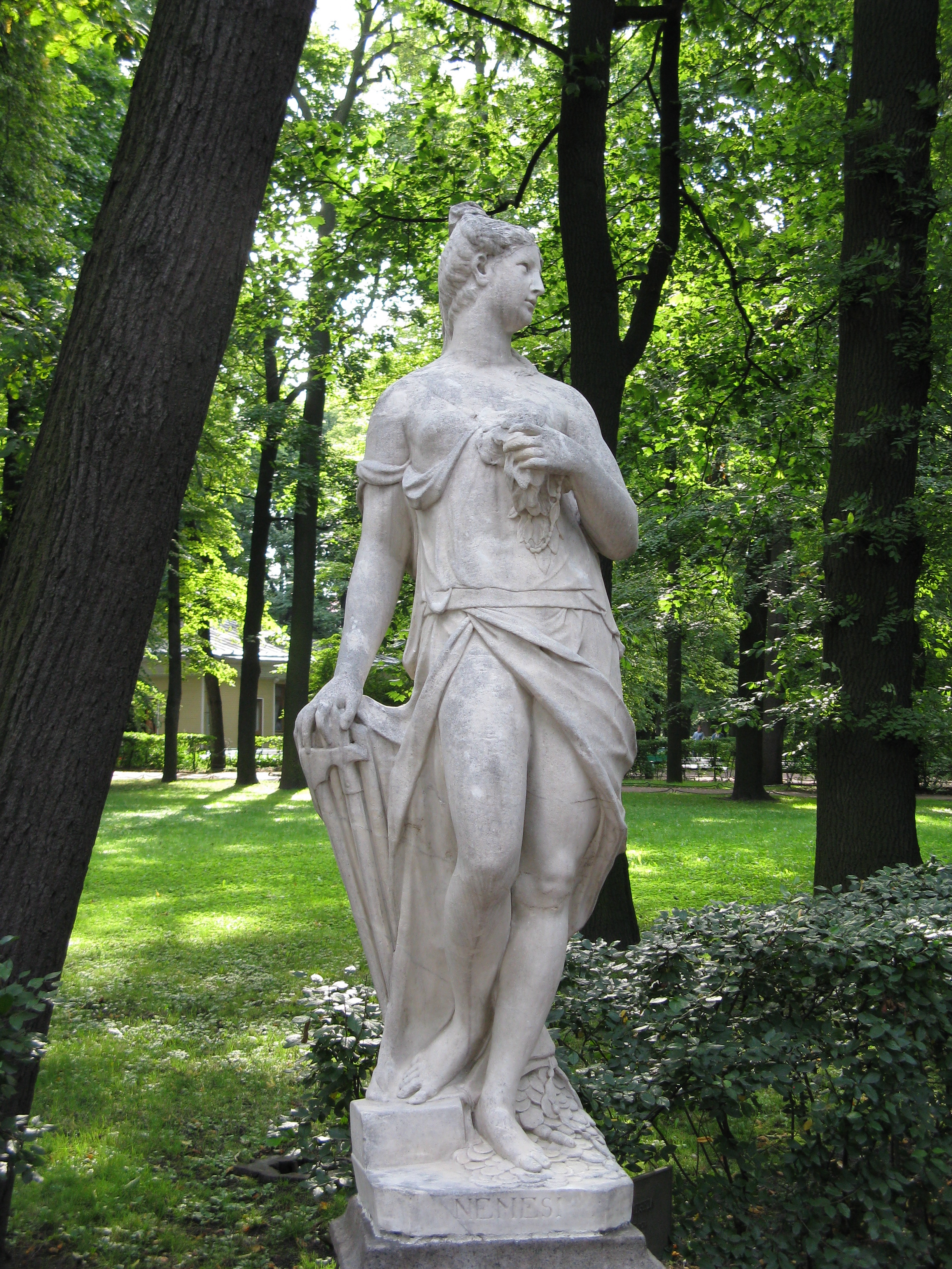 https://upload.wikimedia.org/wikipedia/commons/b/b8/Nemesis-Summer_Garden-Saint_Petersburg.jpg