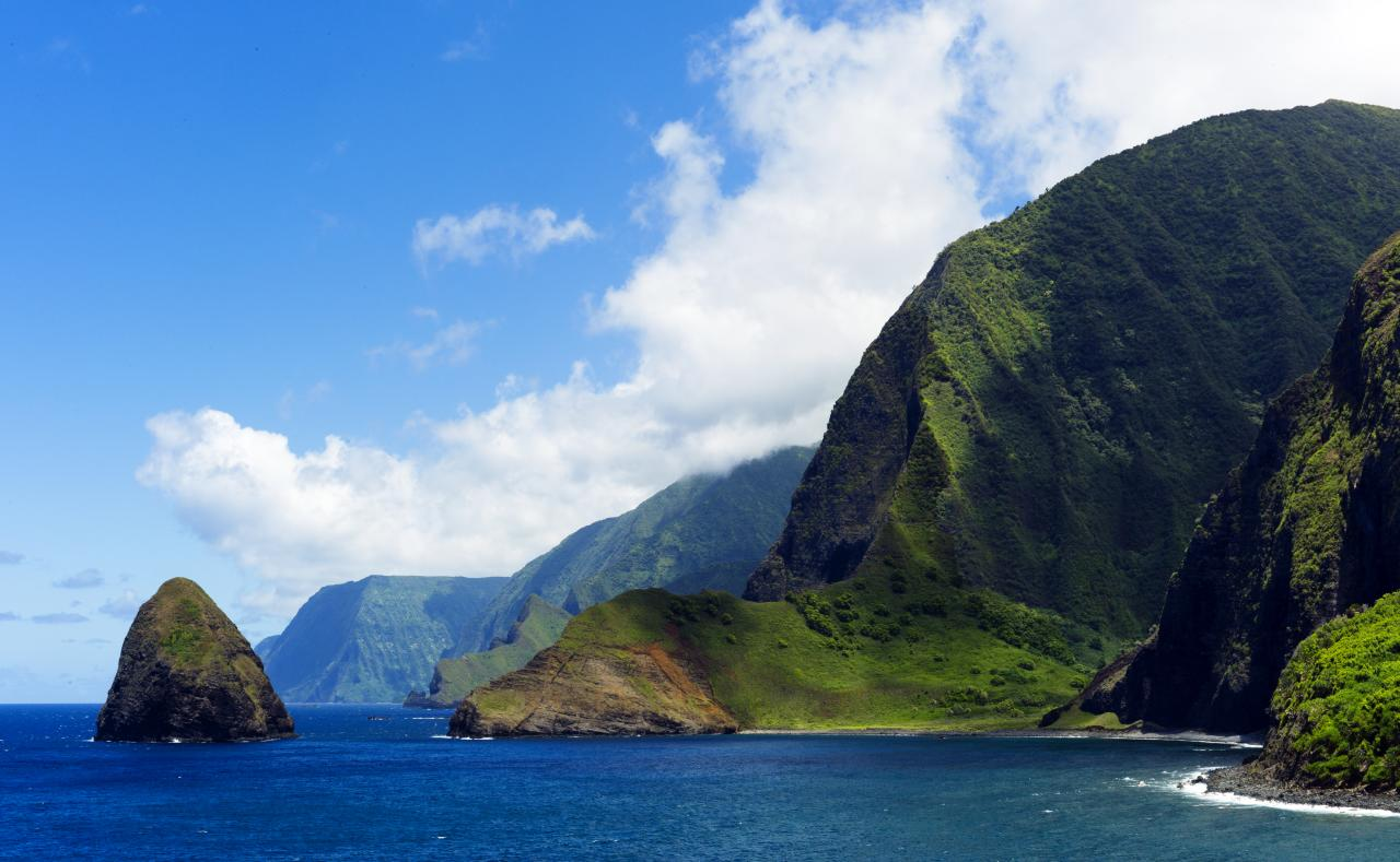 File oahu molokai 4903270679 jpg wikimedia commons for Best vacations in december for couples