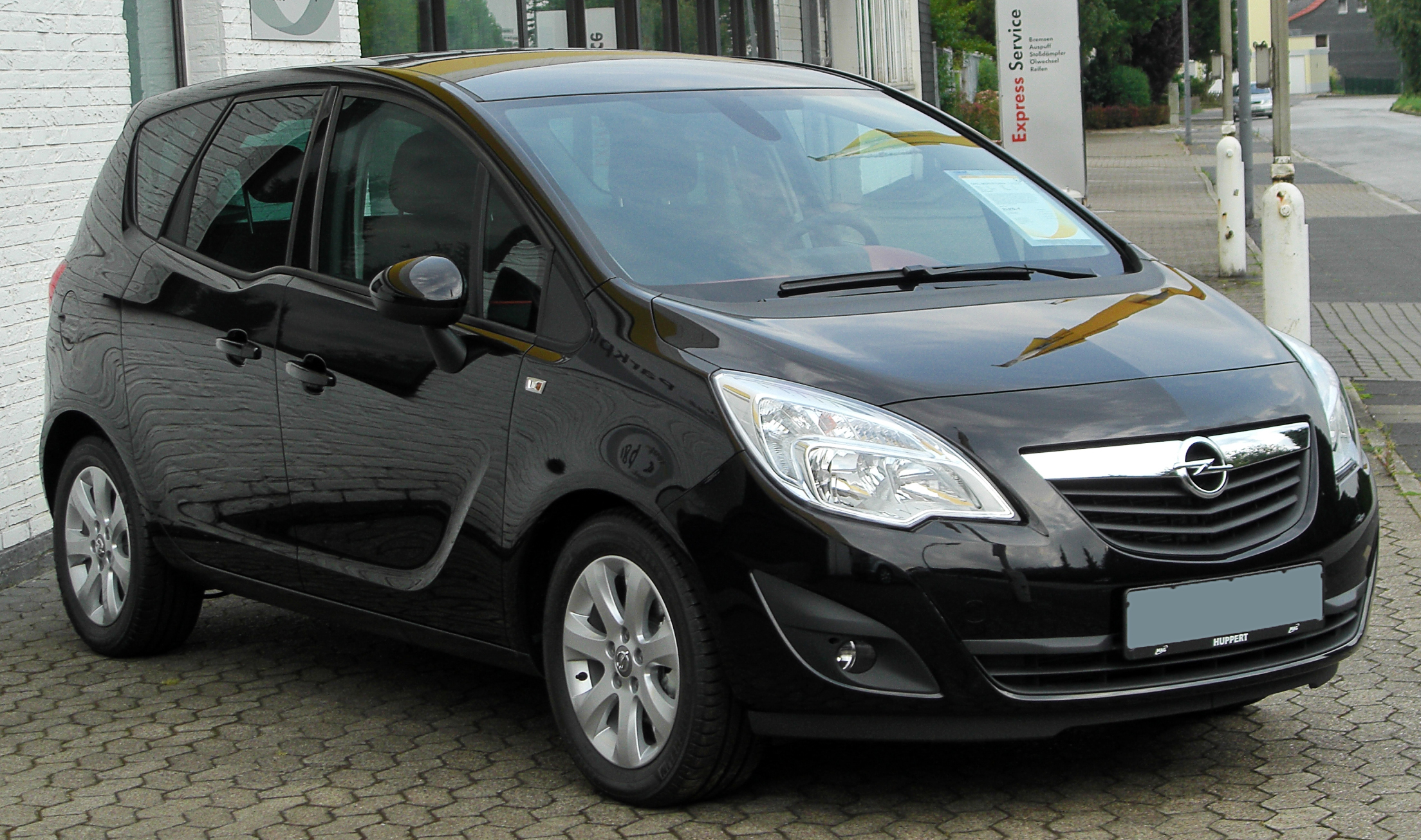 file opel meriva b 1 3 cdti edition front 1 wikimedia commons. Black Bedroom Furniture Sets. Home Design Ideas