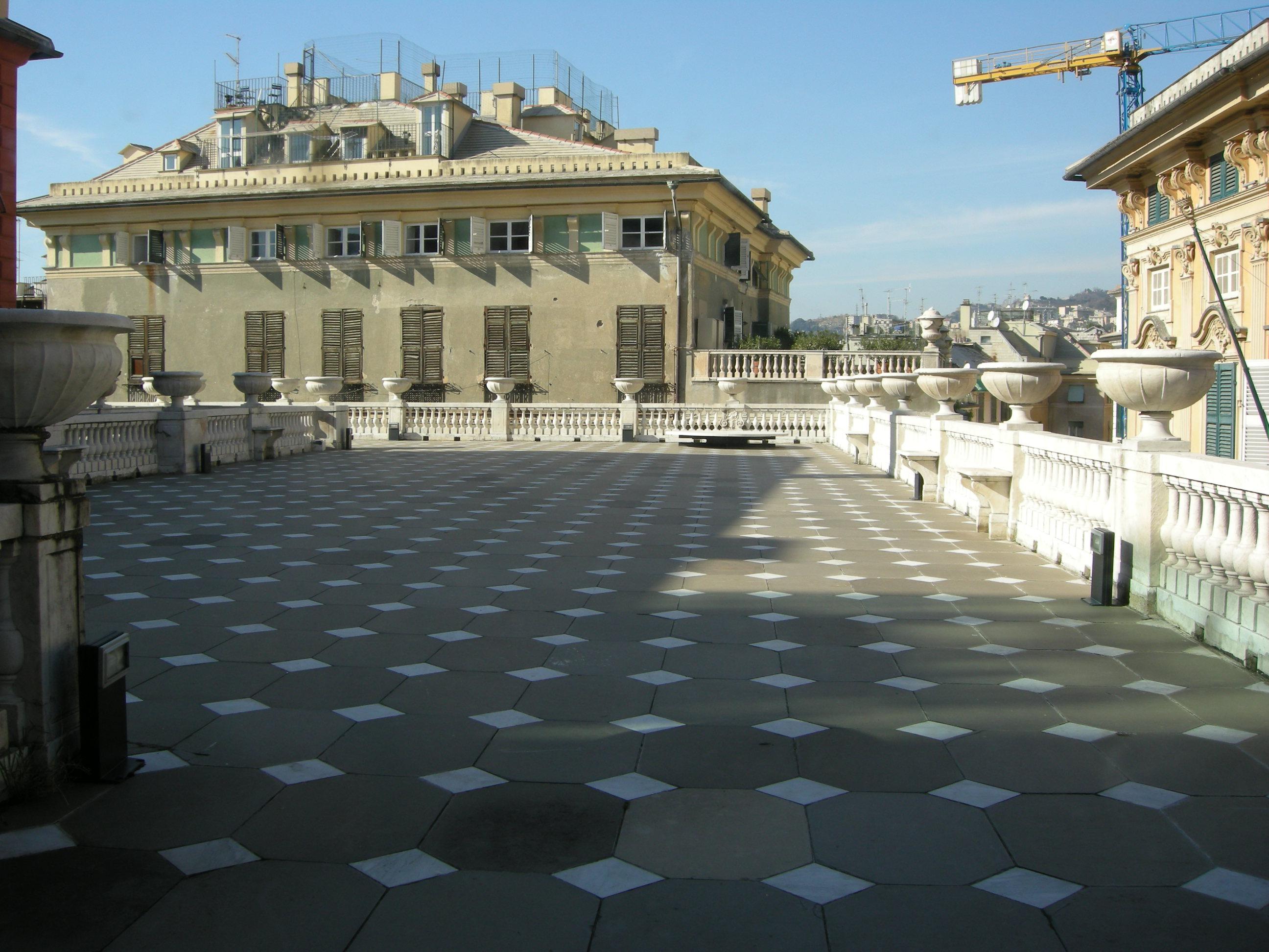 File:Palazzo rosso, terrazza.JPG - Wikimedia Commons