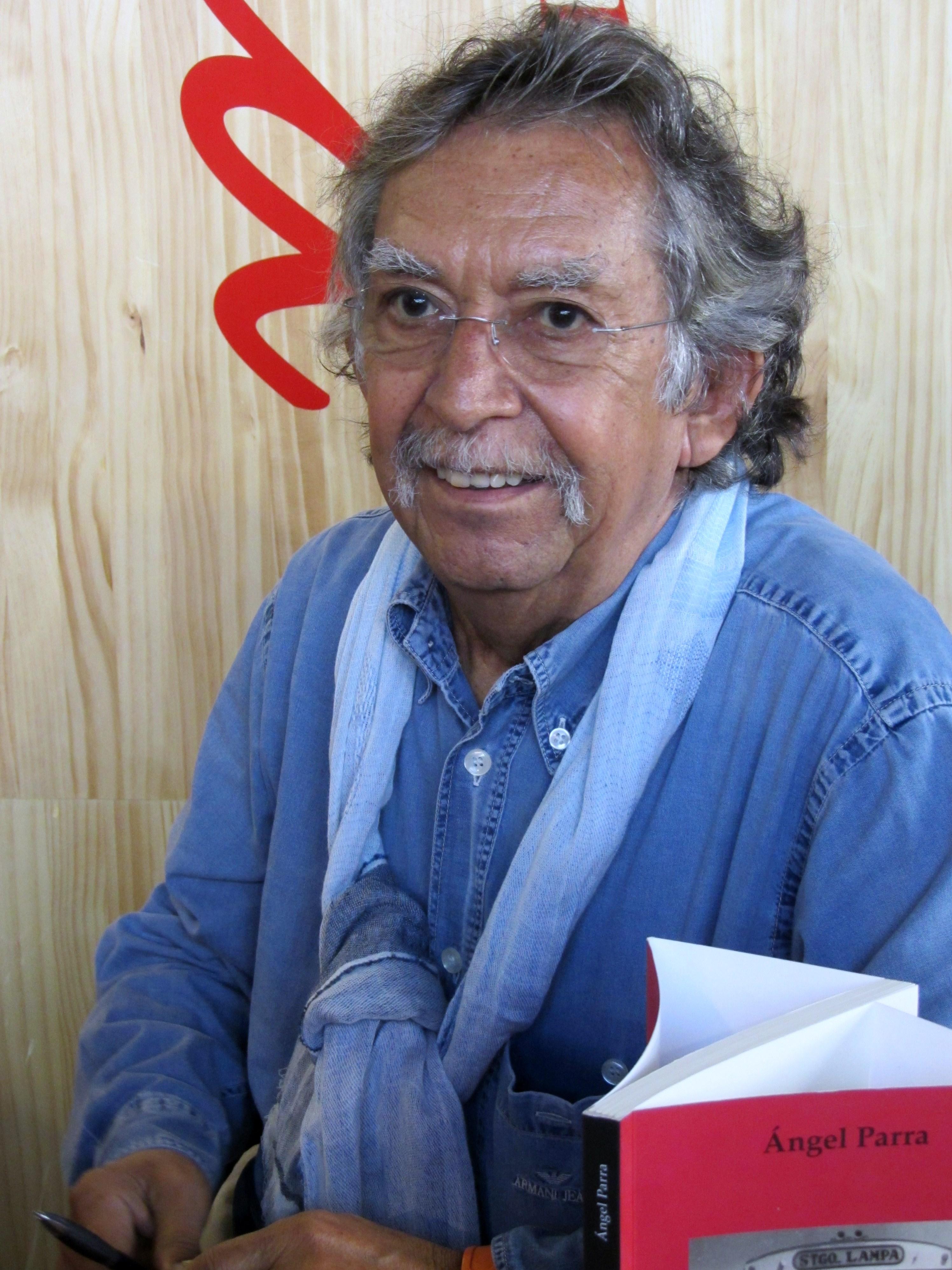 Ángel Parra en la Feria Internacional del Libro de Santiago