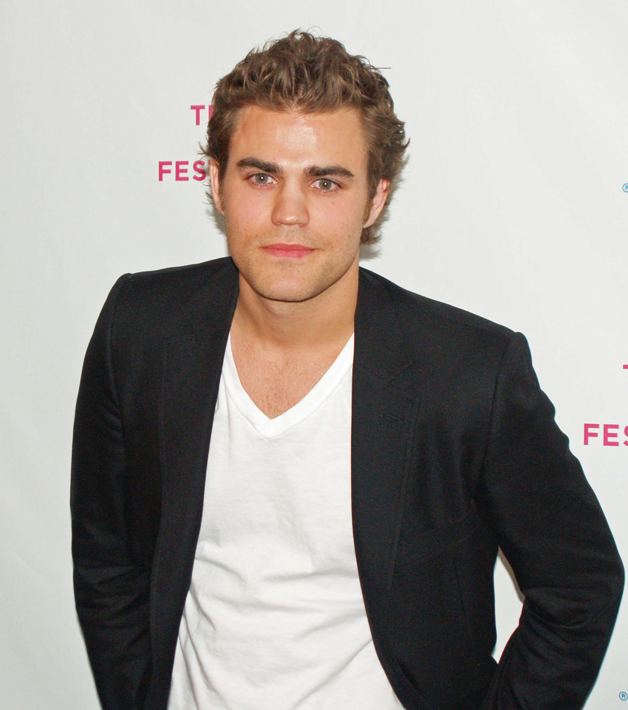 Paul Wesley - Wikipedia