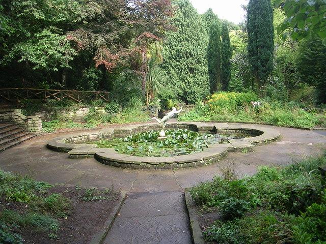 Peasholm Park - Lily Pond - geograph.org.uk - 2061295