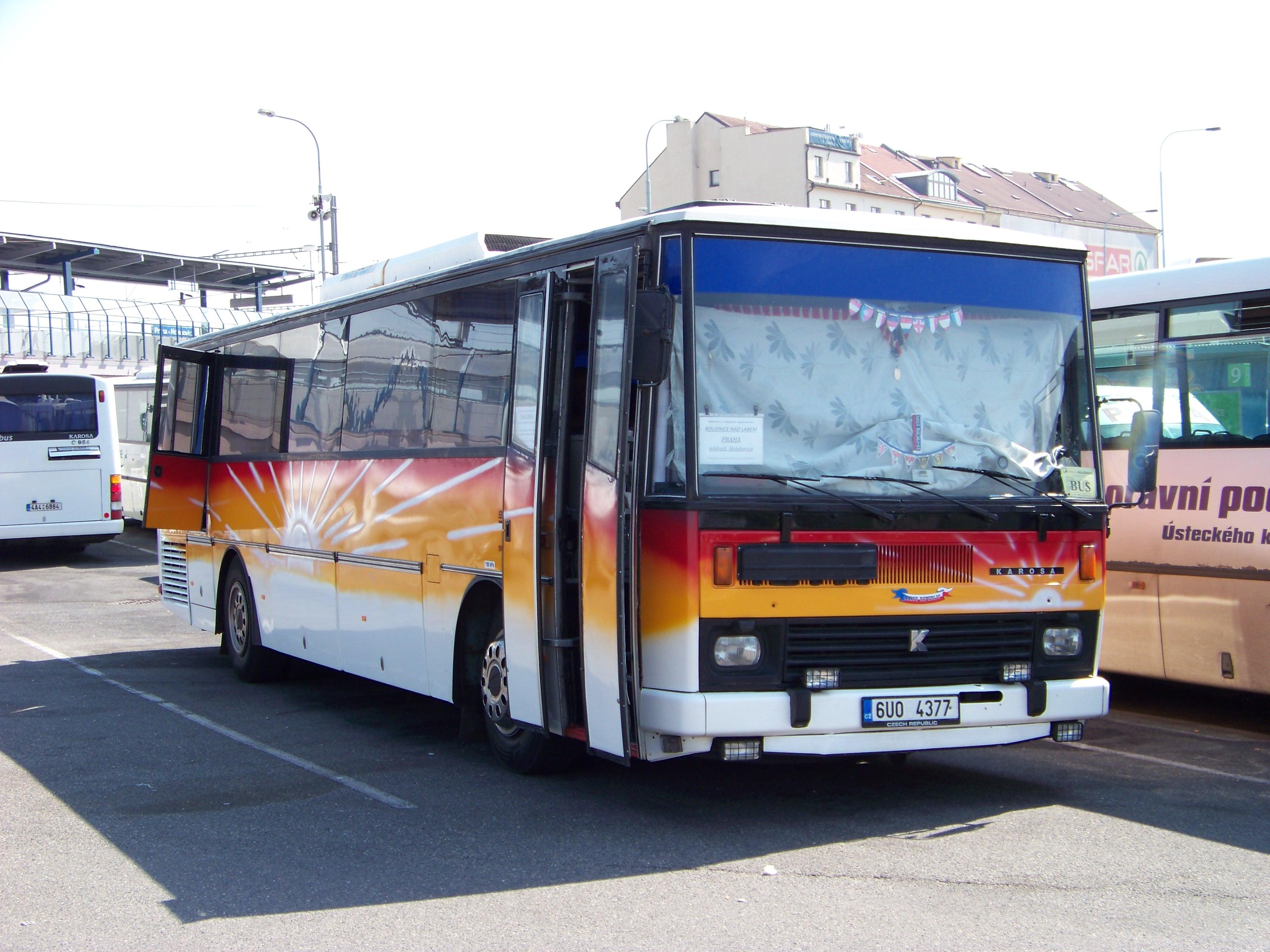 File:Praha, Nádraží Holešovice, Karosa LC 736, BUDOS-BUS, Praha