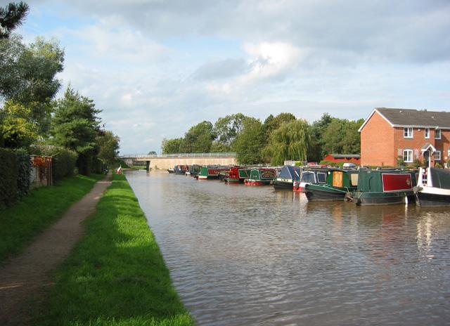 Shropshire Union Canal at Market Drayton - geograph.org.uk - 256105