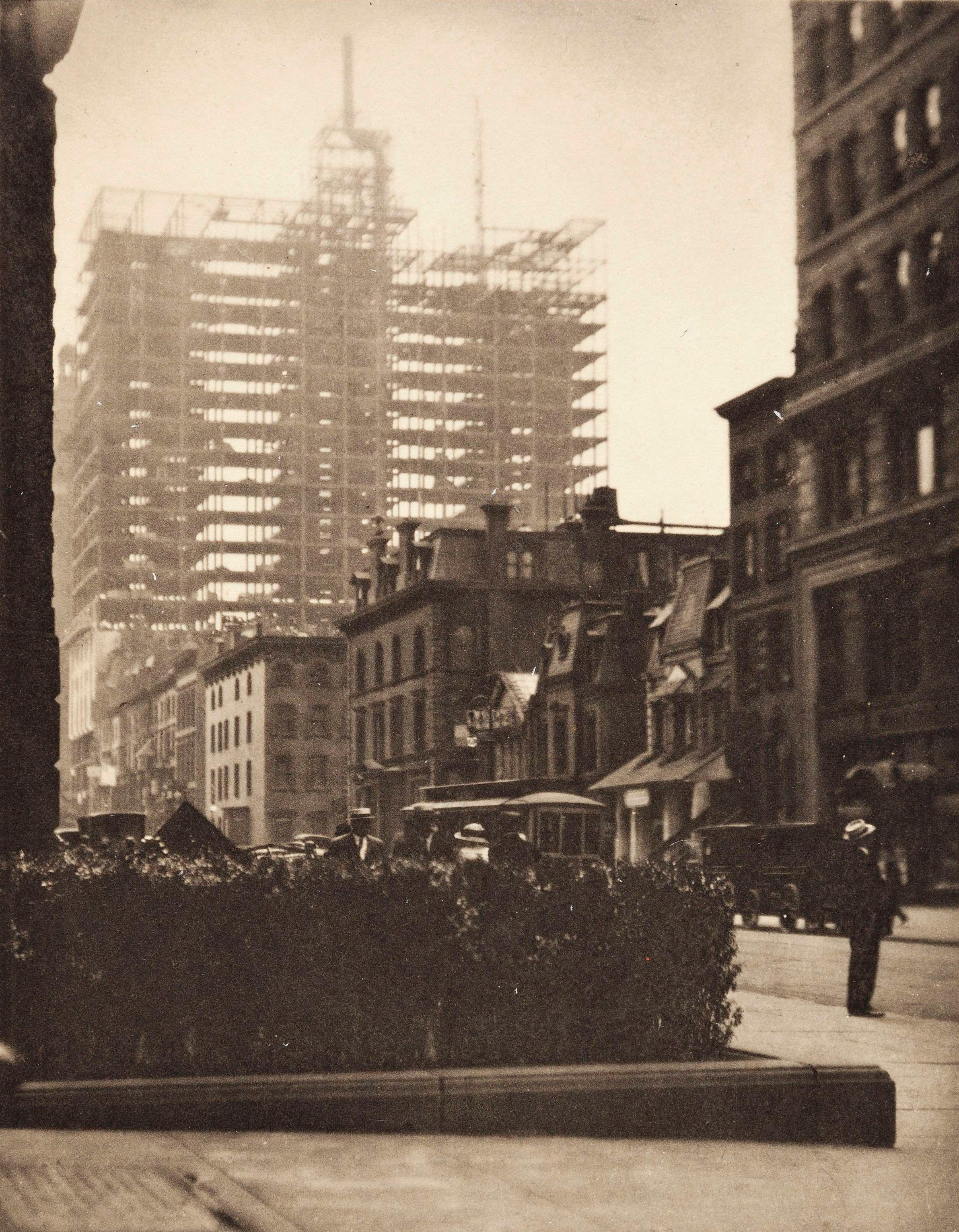https://www.reddit.com/r/HistoryPorn/comments/4a01uc/old_and_new_new_york_by_alfred_stieglitz_1910/d0wkkjy