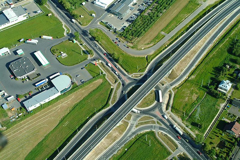 Image - Kreisverkehr als Anschlussstelle mit vier Rampen