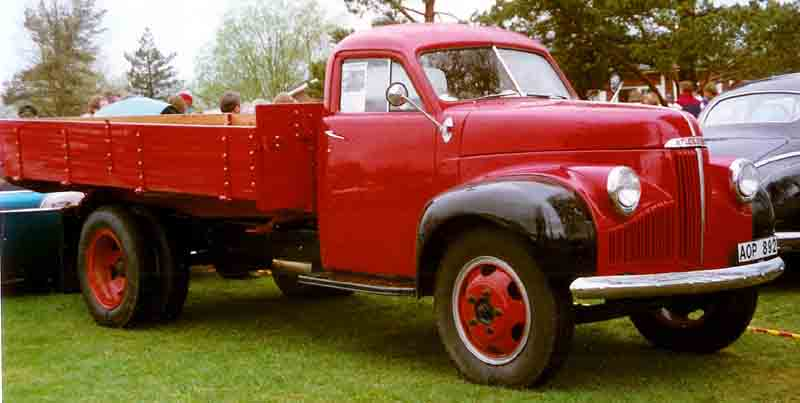 Jeep Willys 1954 >> File:Studebaker M16 52A Truck 1948.jpg - Wikimedia Commons