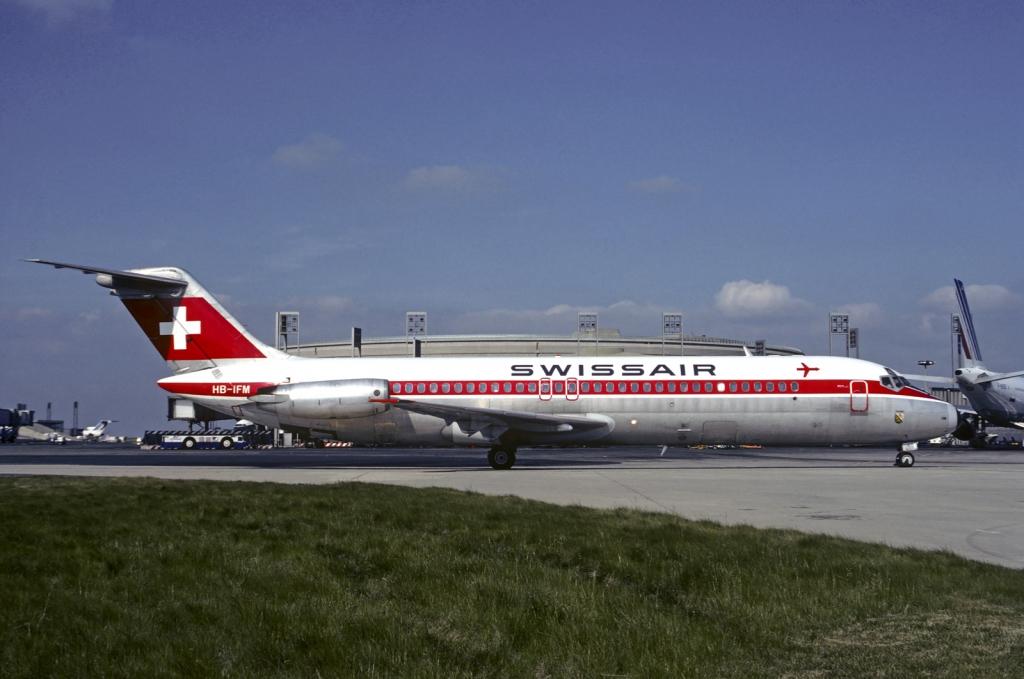 Swissair purzuit furthermore  on swissair altes logo svg