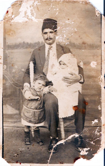 A Turkish Cypriot family who migrated to Turkey in 1935.
